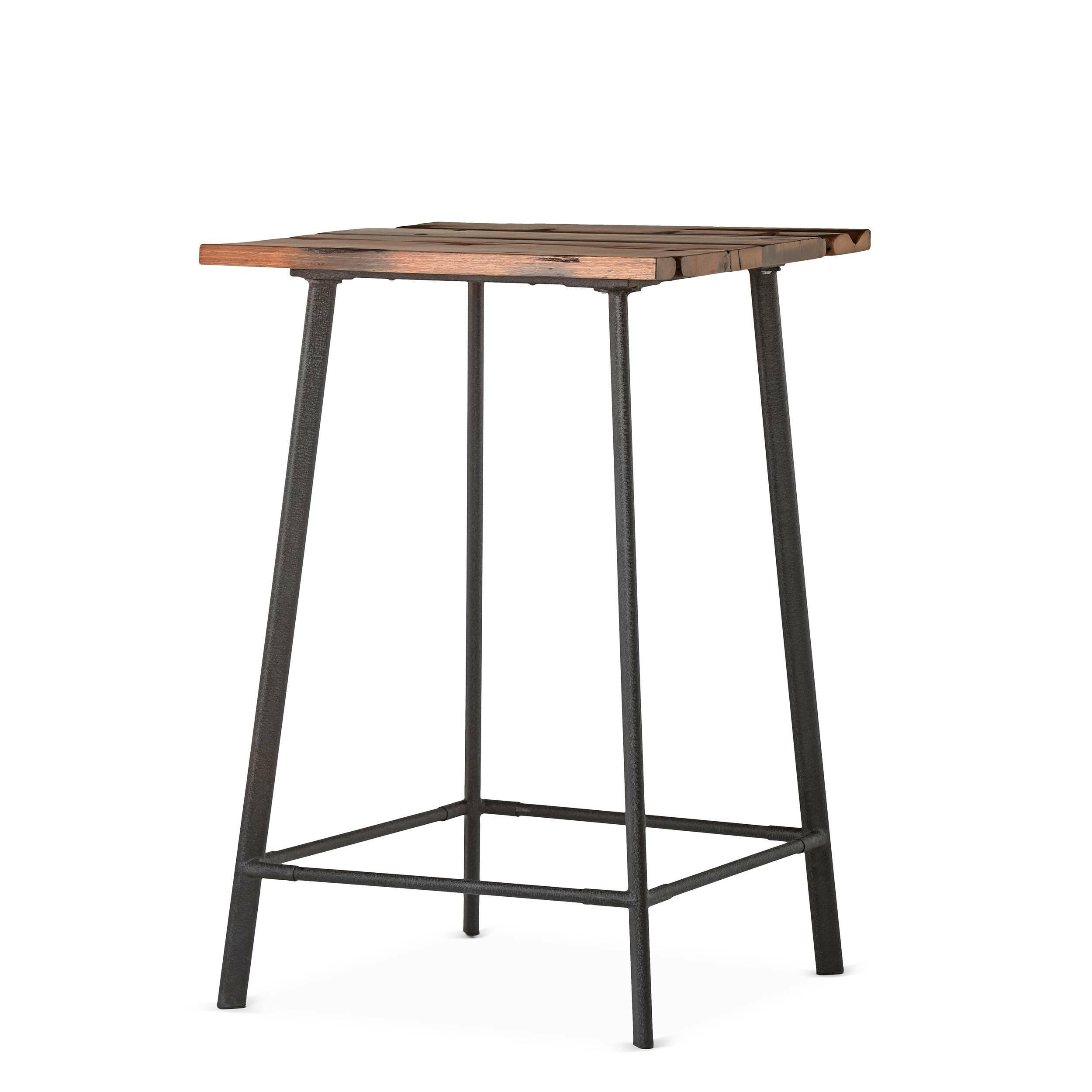 Барный стол ScorchБарные<br>Дизайнерский высокий квадратный стол Scorch (Скорч) на четырех ножках от Cosmo (Космо).<br><br>Барный стол Scorch обладает дизайном, который невероятно стильно смотрится в домашних интерьерах в стиле лофт, а также в кафе и барах. Необычная форма и стиль изделия делают его по-настоящему запоминающимся элементом декора. Создавая дизайн стола, автор вдохновлялся атмосферой старых фабрик и заводов, именно поэтому стол стал ярким образцом индустриального стиля. <br><br> Свое название стол получил благо...<br><br>stock: 4<br>Высота: 106<br>Ширина: 70<br>Длина: 70<br>Цвет ножек: Черный<br>Цвет столешницы: Коричневый<br>Материал столешницы: Массив состаренного дерева<br>Тип материала столешницы: Дерево<br>Тип материала ножек: Сталь
