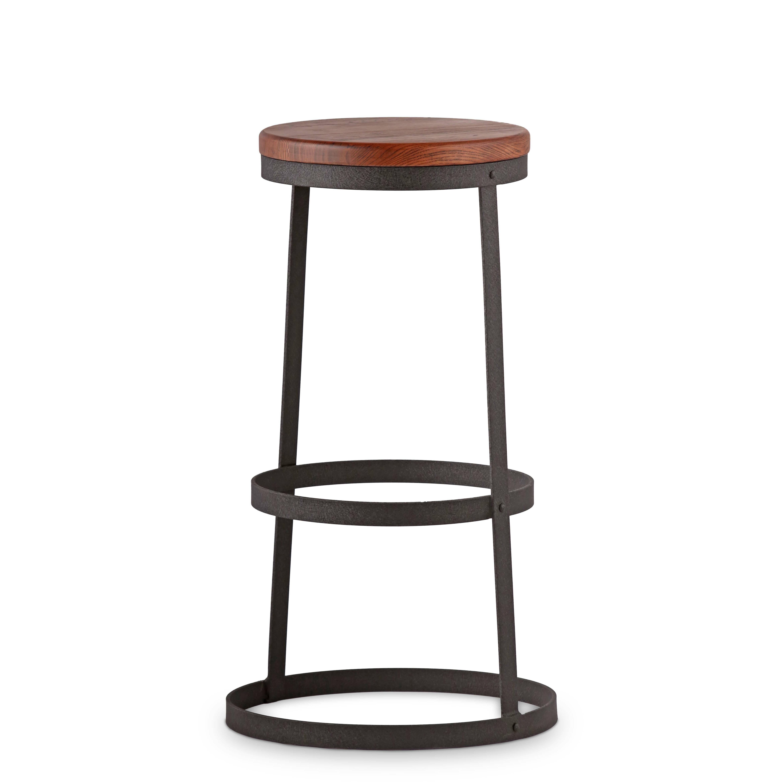 Барный стул ReverbБарные<br>Идеальный круг и ничего больше. Это единственно применимая форма при изготовлении барного стула Reverb. Потрясающая и невероятная простота в сочетании с лаконичной элегантностью. Минимализм, конструктивный экостиль. Практичность без лишних слов.<br><br><br> Барный стул Reverb — это всего несколько линий и окружностей. Три стальных обода соединены между собой двумя вертикальными опорами. Исходный материал каркаса — нержавеющая сталь цвета темной пушечной бронзы. Круглое сиденье выполнено из нату...<br><br>stock: 0<br>Высота: 76<br>Диаметр: 48.5<br>Тип материала каркаса: Сталь<br>Материал сидения: Массив ивы<br>Цвет сидения: Темно-коричневый<br>Тип материала сидения: Дерево<br>Цвет каркаса: Черный