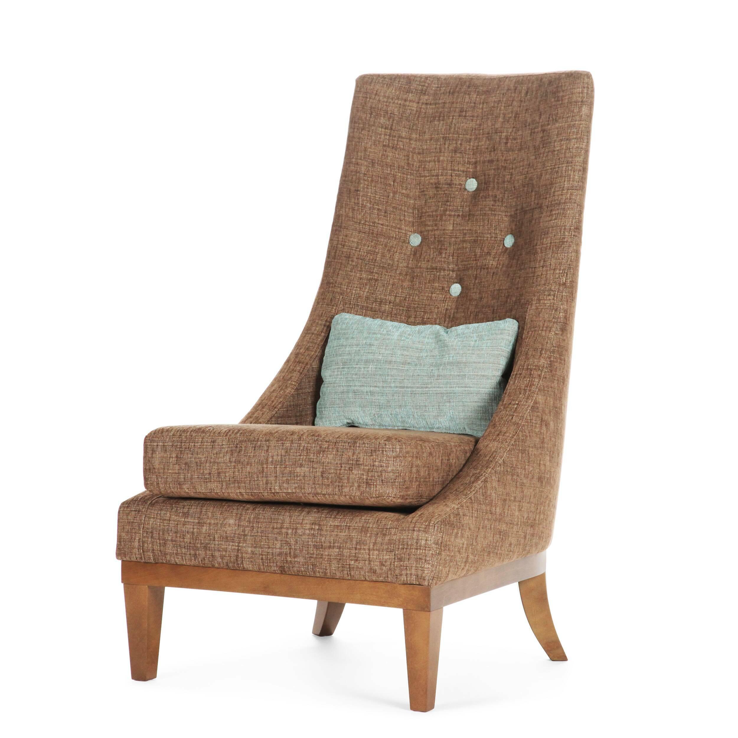Кресло GinevraИнтерьерные<br>Дизайнерское кресло Ginevra (Гиневра) с высокой спинкой и тканевой обивкой на деревянных ножках от Sits (Ситс).<br><br><br> Ginevra — удобное стильное кресло с высокой спинкой, эргономичное и комфортное. Обивка благородного цвета и ножки из натурального дерева придают этому предмету мебели особый аристократизм, наводящий на мысль о временах короля Артура, отважных рыцарей и прекрасных дам. Королева Гвиневра тогда царила при дворе, покоряя сердца и заставляя биться за нее самых знаменитых рыцарей ...<br><br>stock: 1<br>Высота: 103<br>Высота сиденья: 43<br>Ширина: 62<br>Глубина: 85<br>Цвет ножек: Орех<br>Цвет подушки: Бирюзовый<br>Материал подушки: Полиэстер, Акрил<br>Материал обивки: Полиэстер, Акрил<br>Степень комфортности: Стандарт комфорт<br>Материал пуговиц: Полиэстер, Акрил<br>Цвет пуговиц: Бирюзовый<br>Коллекция ткани: Категория ткани II<br>Тип материала обивки: Ткань<br>Тип материала ножек: Дерево<br>Цвет обивки: Коричневый