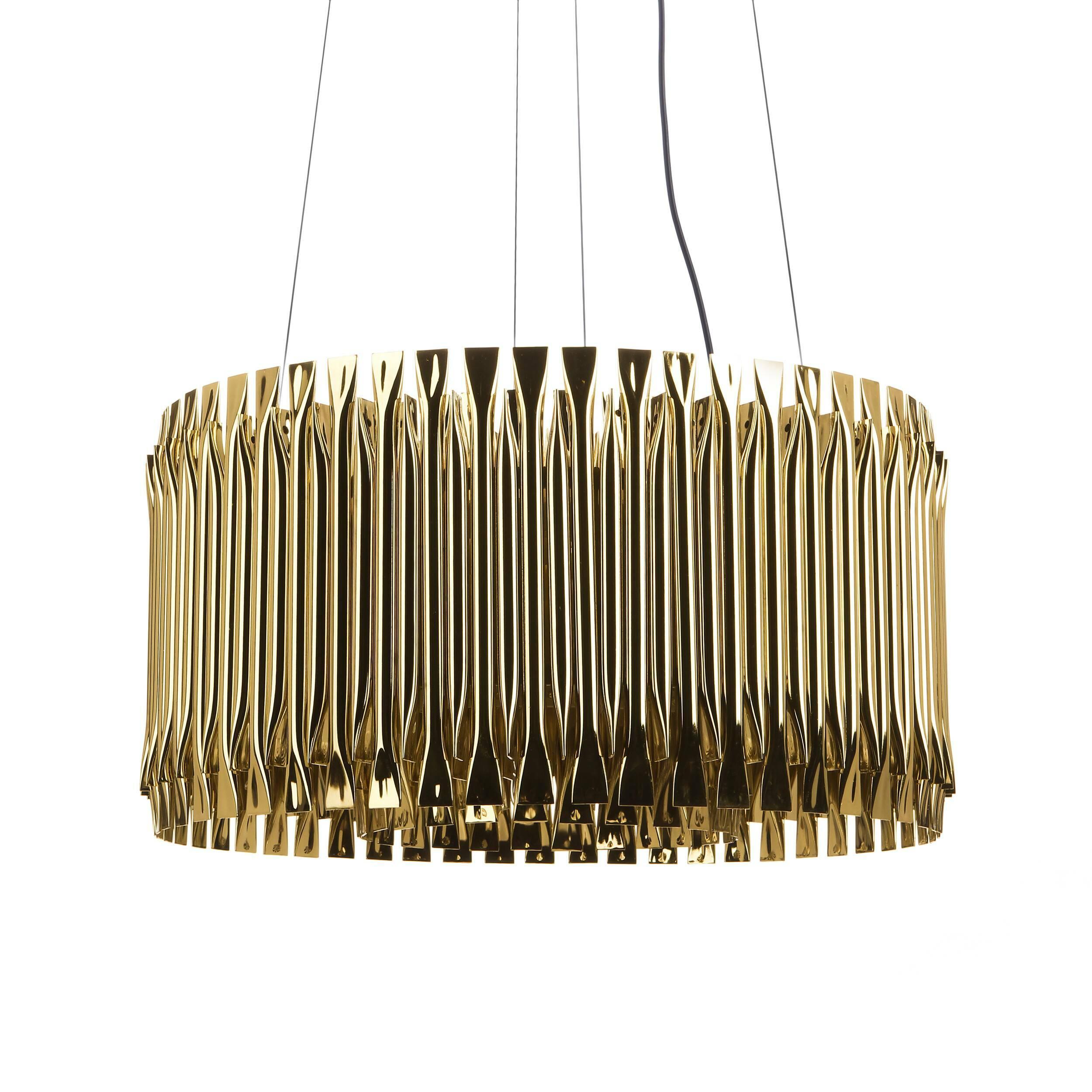 Подвесной светильник Matheny диаметр 56Подвесные<br>Дизайн подвесного светильник Matheny диаметр 56 — это обновленная классика, которой дали второй шанс. Он выполнен в популярном в двадцатых годах прошлого столетия стиле ар-деко. Появившись впервые во Франции, этот стиль стремительно распространился на континенте и в Америке. Мастера ар-деко любили использовать такие материалы, как алюминий, нержавеющая сталь, эмаль, инкрустации по дереву, кожа акулы и зебры. Активно применяли зигзагообразные и ступенчатые формы, широкие и энергичные кривы...<br><br>stock: 0<br>Высота: 150<br>Диаметр: 56<br>Количество ламп: 4<br>Материал абажура: Нержавеющая сталь<br>Мощность лампы: 40<br>Ламп в комплекте: Нет<br>Напряжение: 220<br>Тип лампы/цоколь: E27<br>Цвет абажура: Золотой