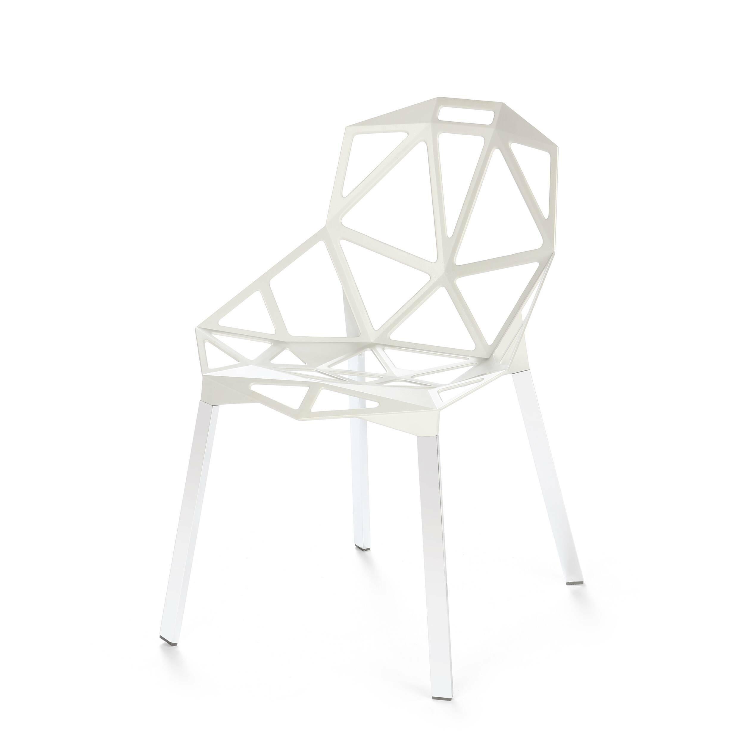 Стул OneИнтерьерные<br>Стильный и модный стул One от немецкого дизайнера Константина Грчича — вариант для тех, кто не может представить себе свой будущий интерьер без новомодных дизайнерских решений. Стул выполнен из чистого алюминия. Несмотря на столь грубый и прочный материал, комфортность стула ни в чем не пострадала. Отдыхать в нем так же удобно, как и в комфортабельном кресле. Это уютное «гнездышко» обязательно придется по вкусу и самым маленьким — изделие отлично подойдет и для детской.<br> <br> Стул доступен в ч...<br><br>stock: 18<br>Высота: 81<br>Высота сиденья: 45,5<br>Ширина: 55<br>Глубина: 57<br>Тип материала каркаса: Алюминий<br>Цвет каркаса: Белый