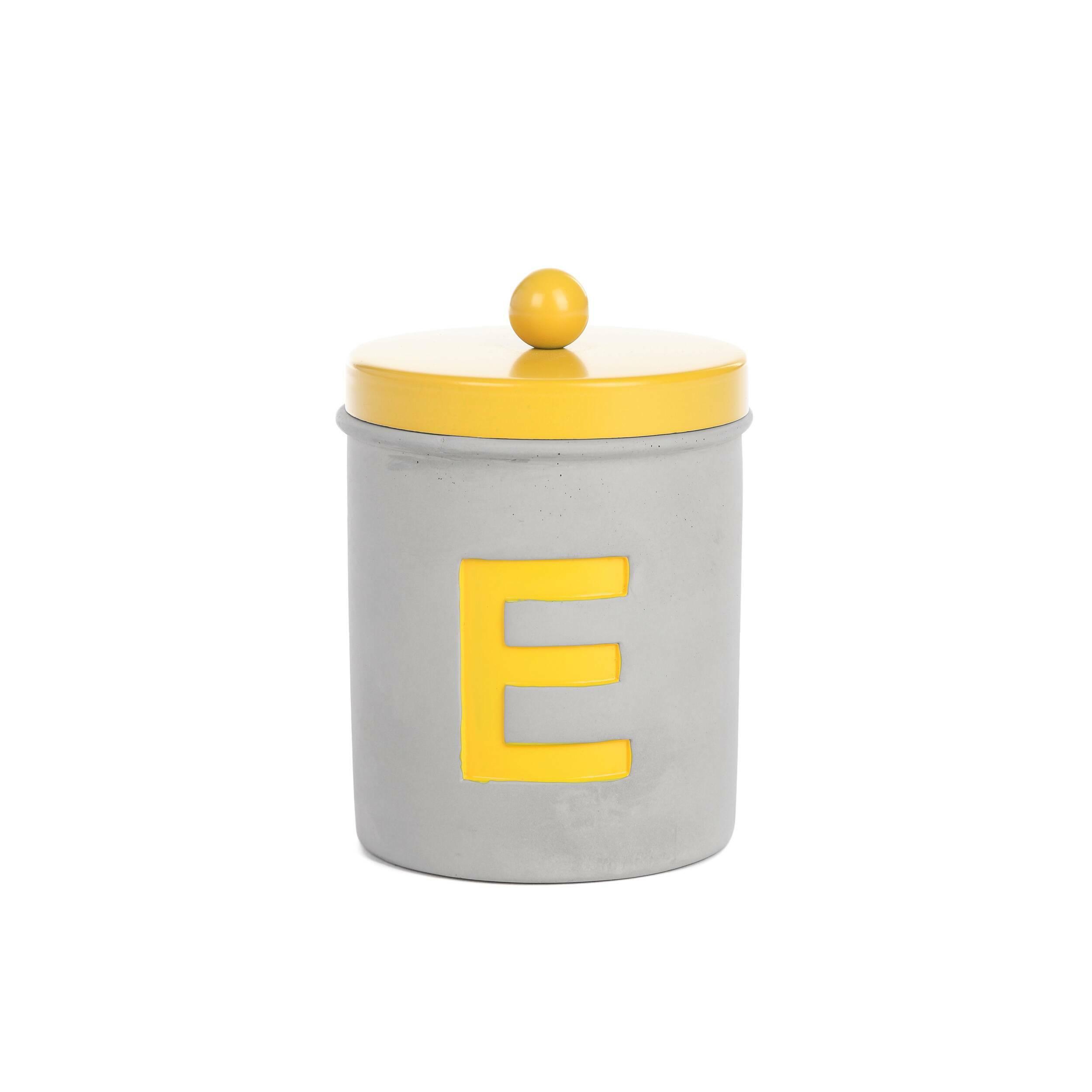 Подсвечник буква 'Е'