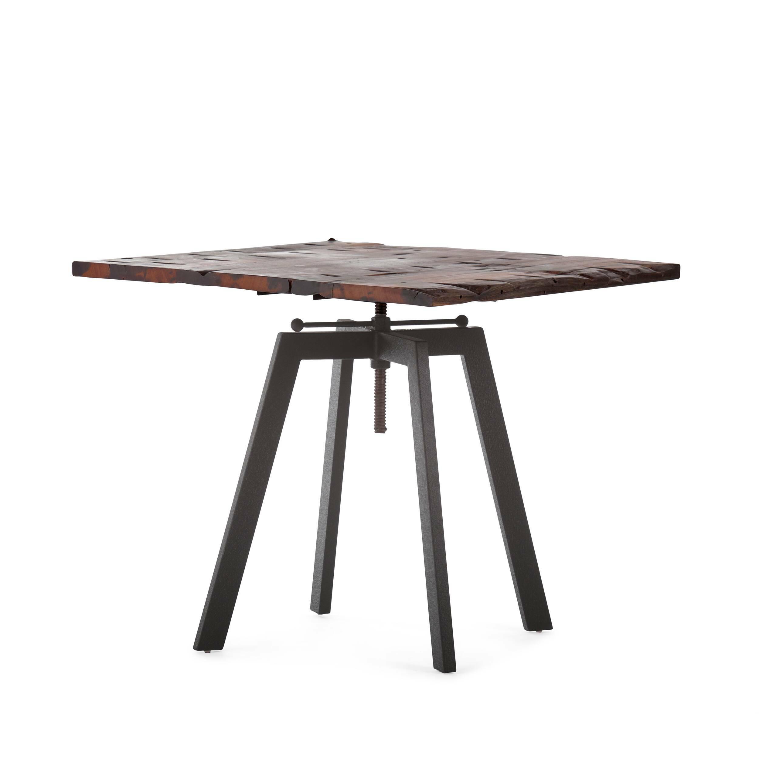 Обеденный стол ToughОбеденные<br>Дизайнерская квадратный обеденный стол Tough в индустриальном стиле со столешницей из массива дерева от Cosmo (Космо).Никакая обеденная зона не обойдется без обеденного стола — полноценного участника интерьера, собирающего всю семью за трапезой. Стол Tough — это массивный обеденный стол в индустриальном стиле, о чем говорят подобранные материалы и конструкция изделия. Антикварная столешница из натурального дерева в сочетании с грубым металлом выглядит эффектно и колоритно. <br> <br> Важным момент...<br><br>stock: 3<br>Высота: 72-92<br>Ширина: 80<br>Длина: 80<br>Цвет ножек: Черный<br>Цвет столешницы: Темно-коричневый<br>Материал столешницы: Массив состаренного дерева<br>Тип материала столешницы: Дерево<br>Тип материала ножек: Сталь