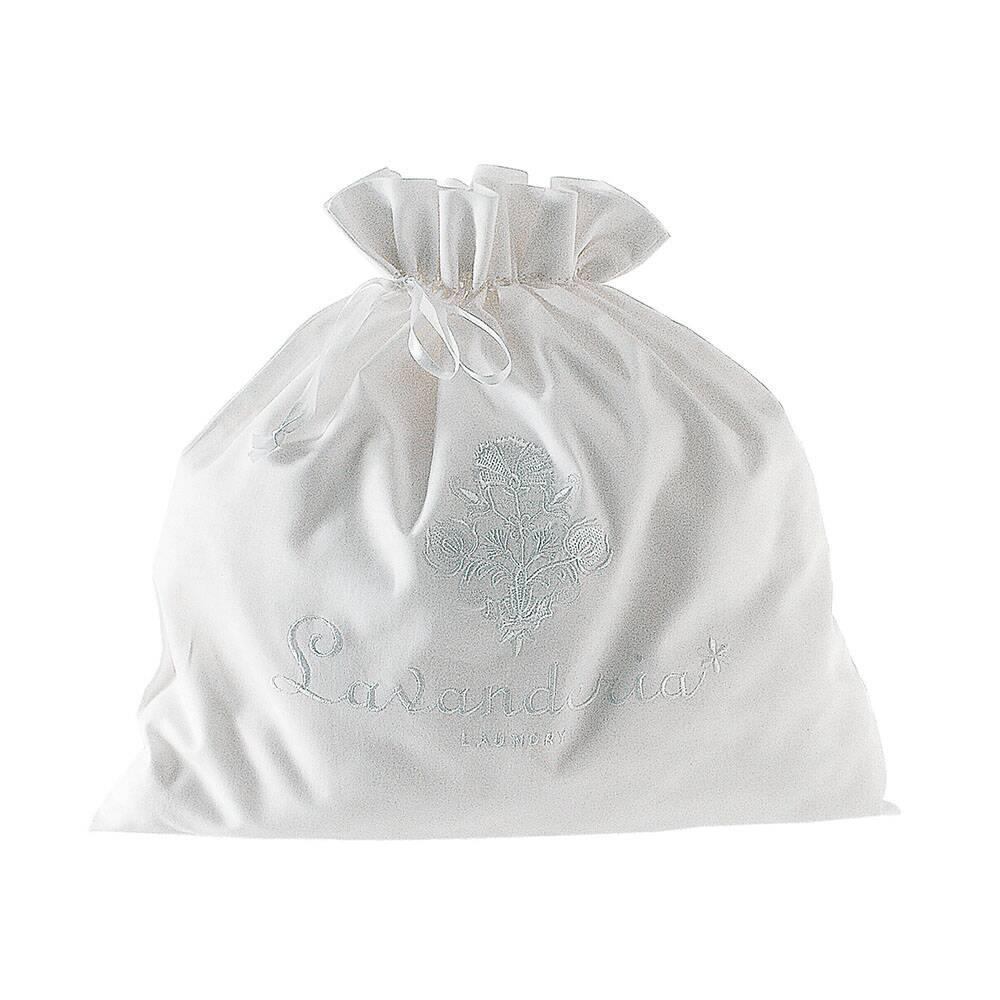 Сумка LaundryРазное<br>Дизайнерская белая сумка-мешок Laundry (Лондрай) из хлопка для белья и одежды от Seletti (Селетти).<br><br>     Итальянский бренд Seletti производит не только суперсовременные и зачастую провокационные предметы декора, но и вполне традиционные вещи, позаимствованные из мира беленых домиков, черепичных крыш и старых олив на побережье.<br><br><br>     Коллекция оригинальных хлопчатобумажных мешочков и чехлов для белья и одежды так и называется — Guardaroba Mediterraneo, «Средиземноморский гардероб». Разм...<br><br>stock: 33<br>Ширина: 40<br>Материал: Хлопок<br>Длина: 40