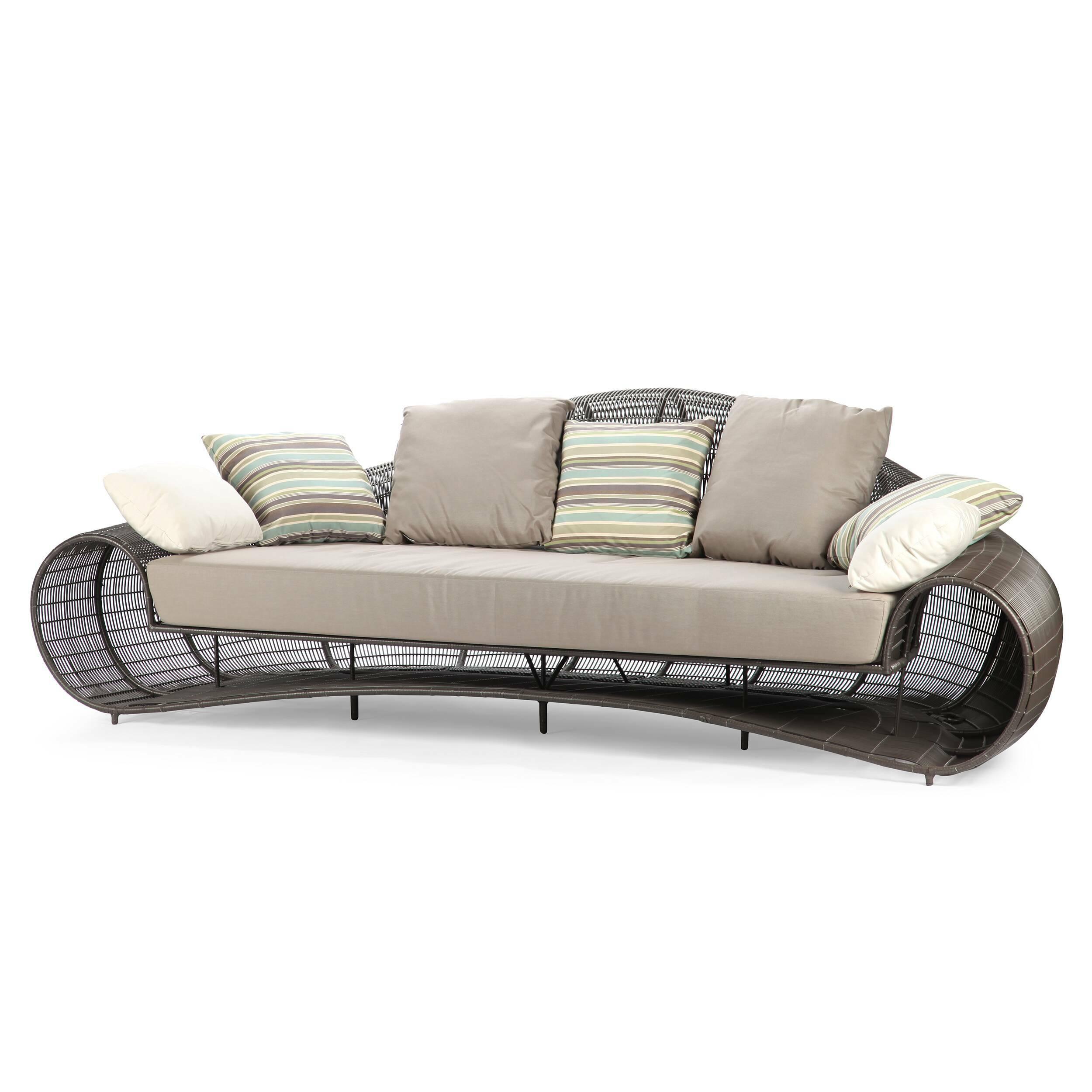 Диван CroissantУличная мебель<br>Диван Croissant — одна из единиц одноименной коллекции уличной мебели. Этот диван подобно популярному французскому лакомству, круассану, — настоящее наслаждение! В этом диване есть все, что сделает ваш отдых по-настоящему приятным — форм спинки, плавно переводящая в подлокотники, мягкое, но упругое сиденье, воздушные подушки... Чтение вашей любимой книги на тенистой лужайке станет вдвойне приятным!<br> <br> В линейке Crissant вы сможете найти кресло и кофейный столик, которые дополнят мебельную.<br><br>stock: 1<br>Высота: 79,5<br>Глубина: 130<br>Длина: 256,5<br>Цвет подушки: Серый<br>Материал подушки: Ткань<br>Тип материала каркаса: Сталь нержавеющя<br>Тип материала обивки: Ткань<br>Цвет обивки: Коричневый<br>Цвет каркаса: Коричневый