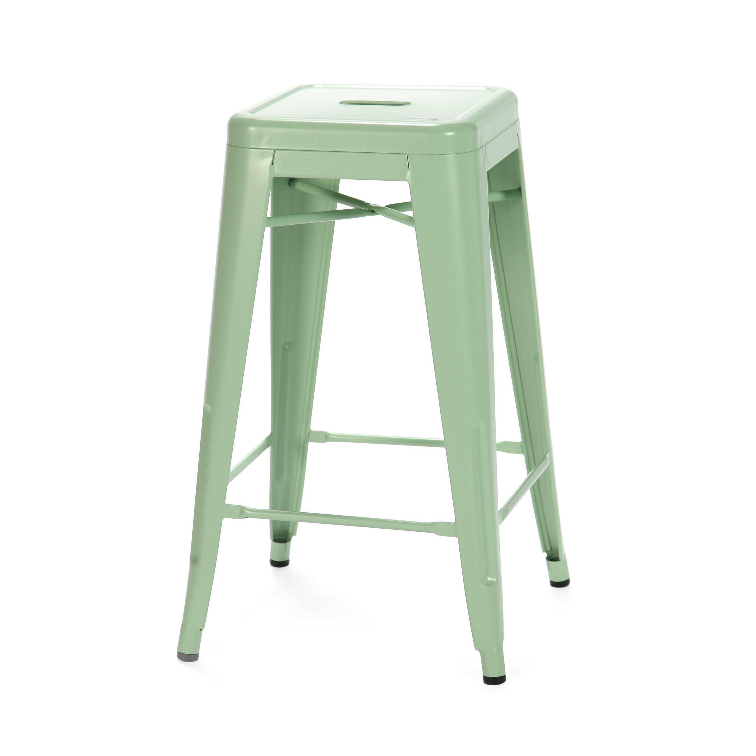 Барный стул Marais Color 2Барные<br>Дизайнерский цветной стальной барный стул Marais Color 2 (Мэрейс Калар) без спинки от Cosmo (Космо).<br> Барный стул Marais Color 2 — олицетворение винтажного стиля, его грациозные линии создают ощущение легкости и невесомости. Несмотря на хрупкий вид, этот предмет мебели невероятно прочен и долговечен. Высококачественный металл, обработанный методом гальванизации, выдерживает самые агрессивные условия окружающей среды. Не случайно модель не утратила актуальности с начала ХХ века — именно тогда...<br><br>stock: 20<br>Высота: 66<br>Ширина: 41<br>Глубина: 41<br>Тип материала каркаса: Сталь<br>Цвет каркаса: Светло-зеленый