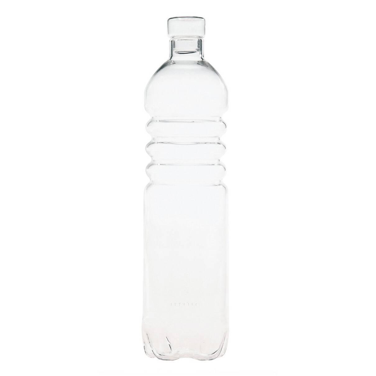 Бутылка Estetico QuotidianoПосуда<br>Бутылка Estetico Quotidiano из коллекции столовой посуды Estetico Quotidiano. Что в нашей жизни может быть привычнее и незаметнее, чем, например, одноразовая посуда или пластиковые бутылки? Разве только посуда в собственном доме, на рисунок которой уже давно не обращаешь внимания.<br><br><br> Дизайнер Алессандро Дзамбелли совместно с компанией Seletti выпустили коллекцию столовой посуды под названием Estetico Quotidiano, что можно перевести с итальянского языка как «эстетика повседневности»...<br><br>stock: 23<br>Высота: 34<br>Материал: Стекло<br>Цвет: Прозрачный/Clear<br>Диаметр: 8,5