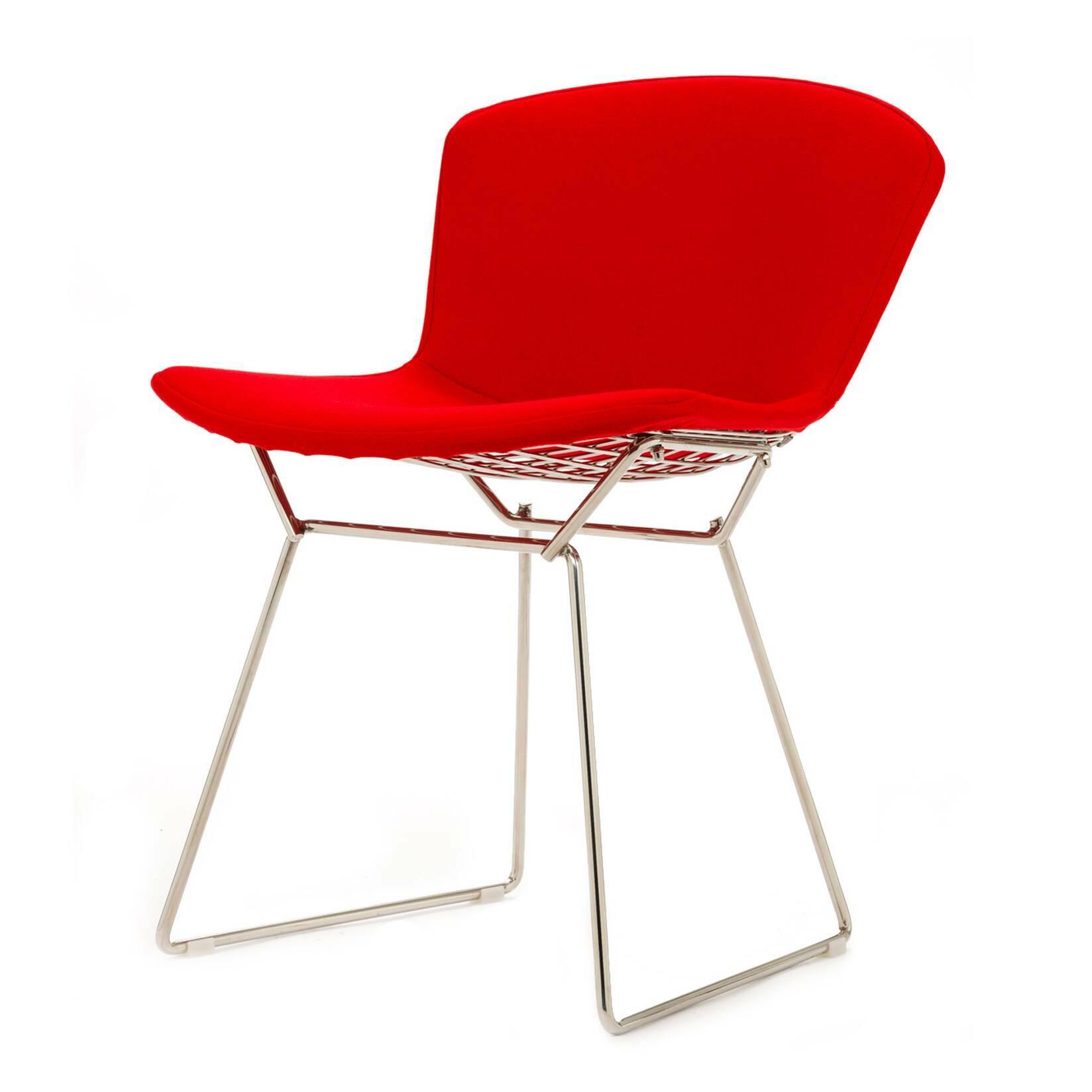 Стул Bertoia с обивкойИнтерьерные<br>Дизайнерский современный легкий однотонный стул Bertoia (Бертола) с тканевой обивкой на тонких металилческих ножках от Cosmo (Космо).<br>Этот ставший классическим для середины XX века современный стул Bertoia являет собой пример отличного дизайна. Экспериментируя над тем, как применить технологию сгибания металлических стержней в практических целях для производства дизайнерской мебели, Гарри Бертойя пополнил коллекцию наиболее почитаемых предметов мебели своим изящным стулом без подлокотников B...<br><br>stock: 0<br>Высота: 74<br>Высота сиденья: 43<br>Ширина: 52,5<br>Глубина: 57,5<br>Цвет ножек: Хром<br>Материал сидения: Шерсть, Нейлон<br>Цвет сидения: Красный<br>Тип материала сидения: Ткань<br>Коллекция ткани: T Fabric<br>Тип материала ножек: Сталь нержавеющая