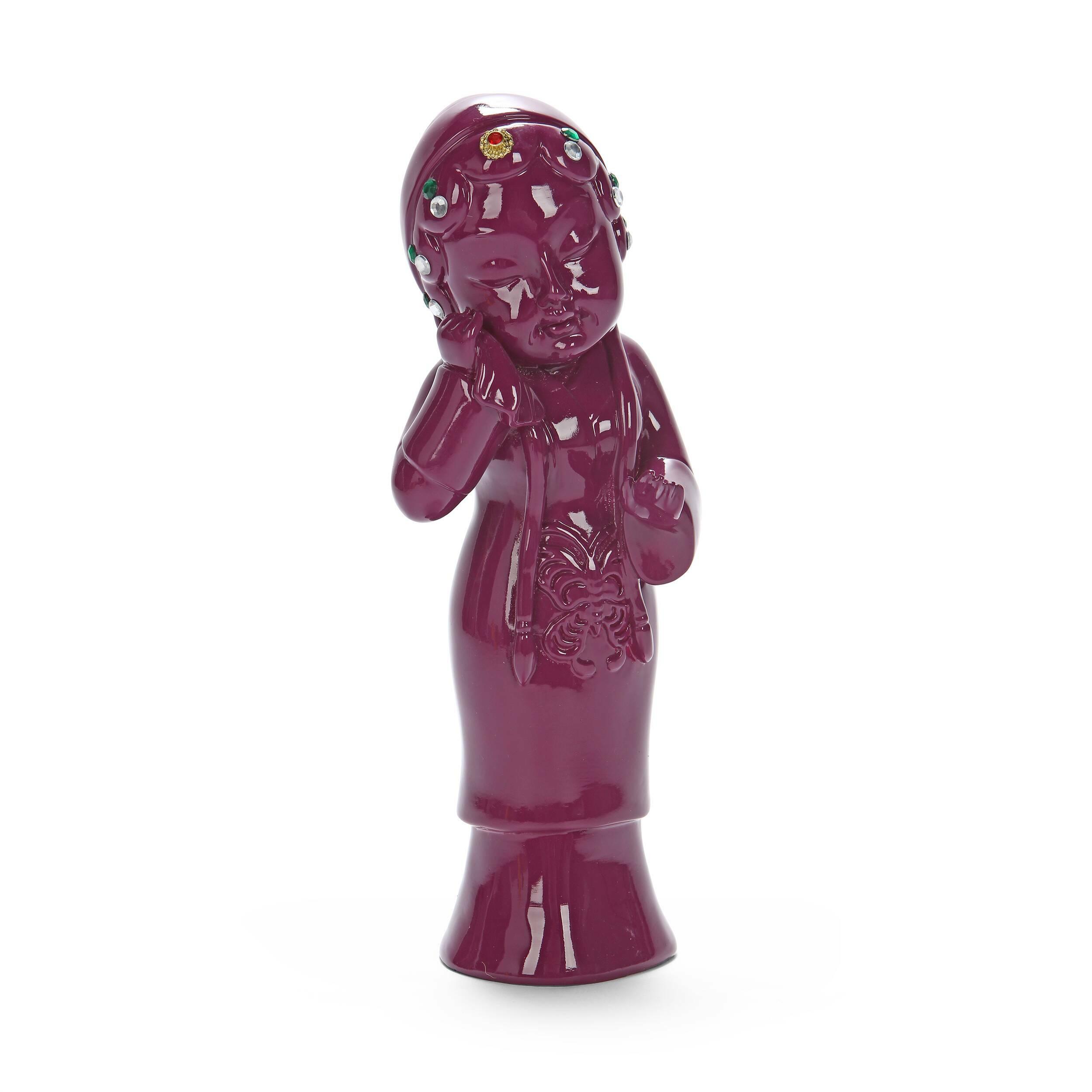 Статуэтка Geisha 4Настольные<br>Дизайнерская маленькая фиолетовая статуэтка Geisha (Гейша) из полистоуна от Cosmo (Космо).Говорить об актуальности декора в мире современного дизайна не приходится, это очевидно. Наряду с появлением новых трендов меняются все составляющие дизайна. Одно из последних значимых изменений — это возврат к истокам. Чтить традиции и культуру теперь не только жест уважения, но и особое движение, актуализирующееся в мире современного дизайна. Коллекция J for Japan — соответствующая современным трендам ...<br><br>stock: 2<br>Высота: 25<br>Ширина: 10<br>Материал: Полистоун<br>Цвет: Фиолетовый<br>Длина: 10