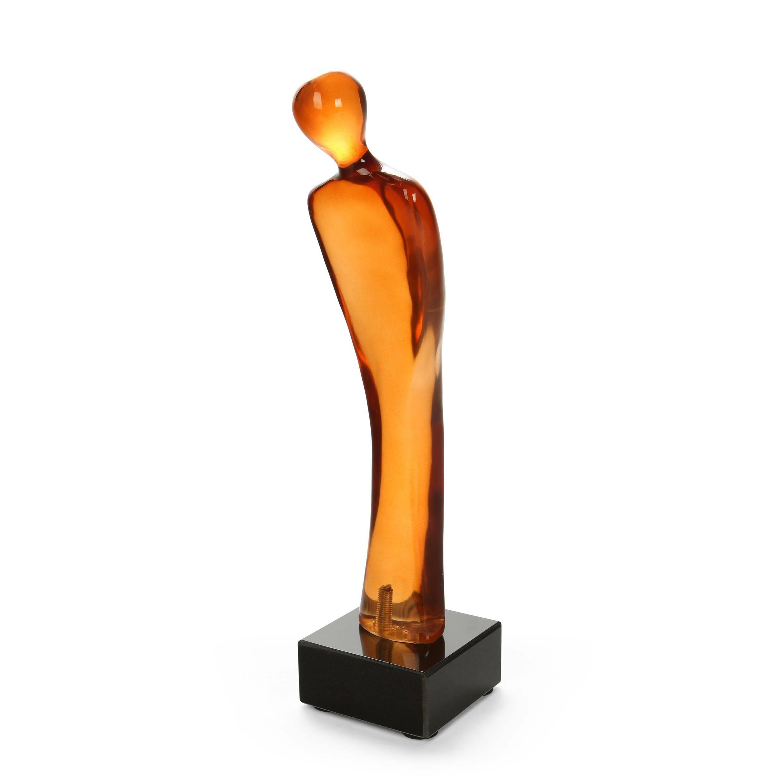 Статуэтка Silhuette 2Настольные<br>Дизайнерская декоративная оранжевая статуэтка Silhuette (Силуэт) из полистоуна в форме силуэта человека от Cosmo (Космо).<br> Подчеркнуть дизайн интерьера, дополнить его ненавязчивыми красками и силуэтами поможет привлекательный, спокойный декор, который не станет отвлекать на себя внимание, но в то же время сможет обновить комнату и задать ей новое настроение. Декоративные статуэтки — это не только излюбленный декоративный элемент многих дизайнеров. Они также помогают оживить комнату и создат...<br><br>stock: 7<br>Высота: 36<br>Ширина: 10<br>Материал: Полистоун<br>Цвет: Оранжевый<br>Длина: 11