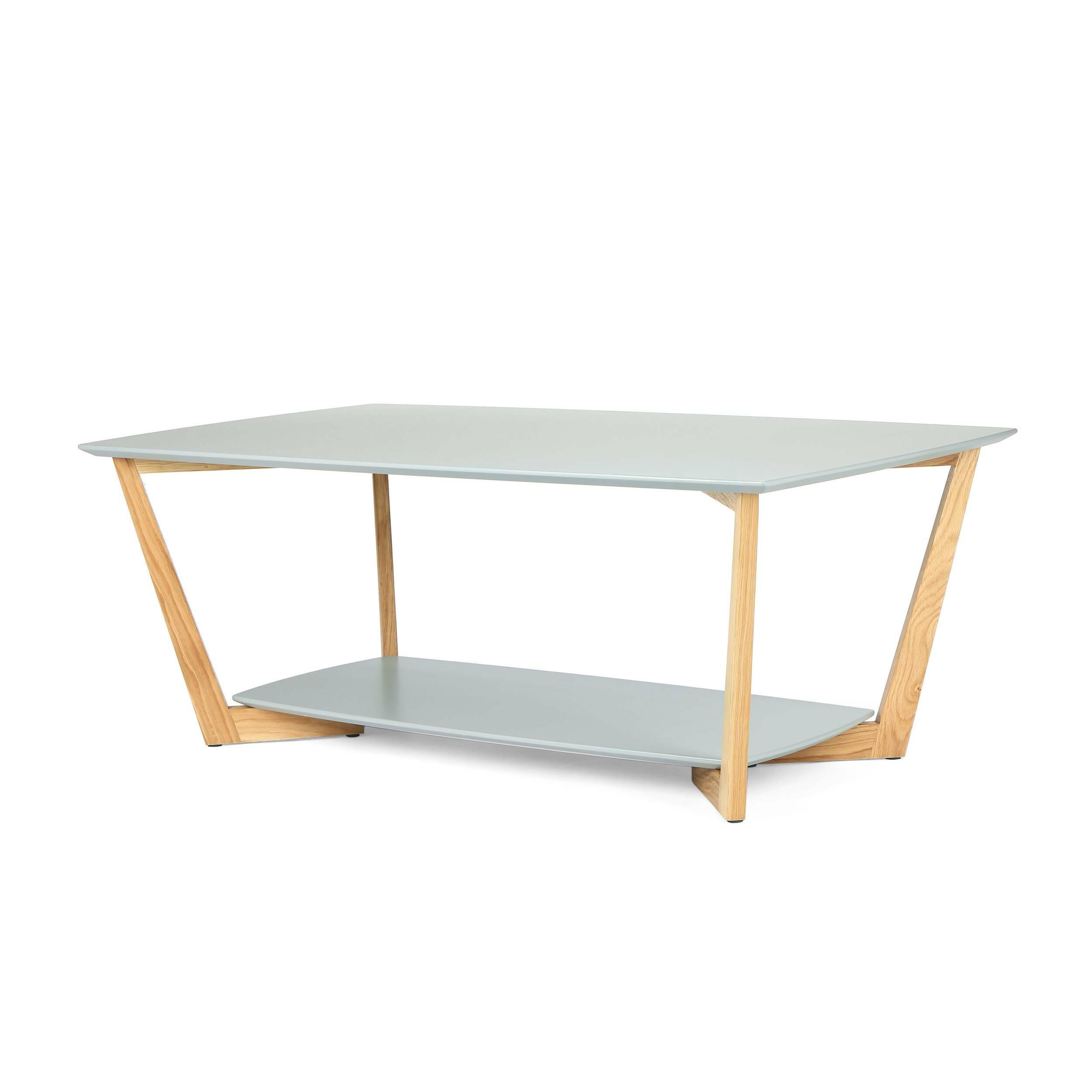 Кофейный стол BorderКофейные столики<br>Дизайнерский прямоугольный светлый кофейный столик Border (Бордер) на деревянных ножках от Cosmo (Космо).<br><br>Журнальный или кофейный стол — это постоянный атрибут любой современной гостиной. Это небольшой, но функциональный предмет мебели, который служит подставкой для светильника или пульта, а также столиком для сервировки небольшой трапезы. <br> <br> Оригинальный кофейный стол Border подходит для использования в гостиных, оформленных в современном стиле. Нижнюю полку столика можно использоват...<br><br>stock: 0<br>Высота: 45<br>Ширина: 70<br>Длина: 120<br>Цвет ножек: Светло-коричневый<br>Цвет столешницы: Серый<br>Материал ножек: Массив дуба<br>Тип материала столешницы: МДФ<br>Тип материала ножек: Дерево