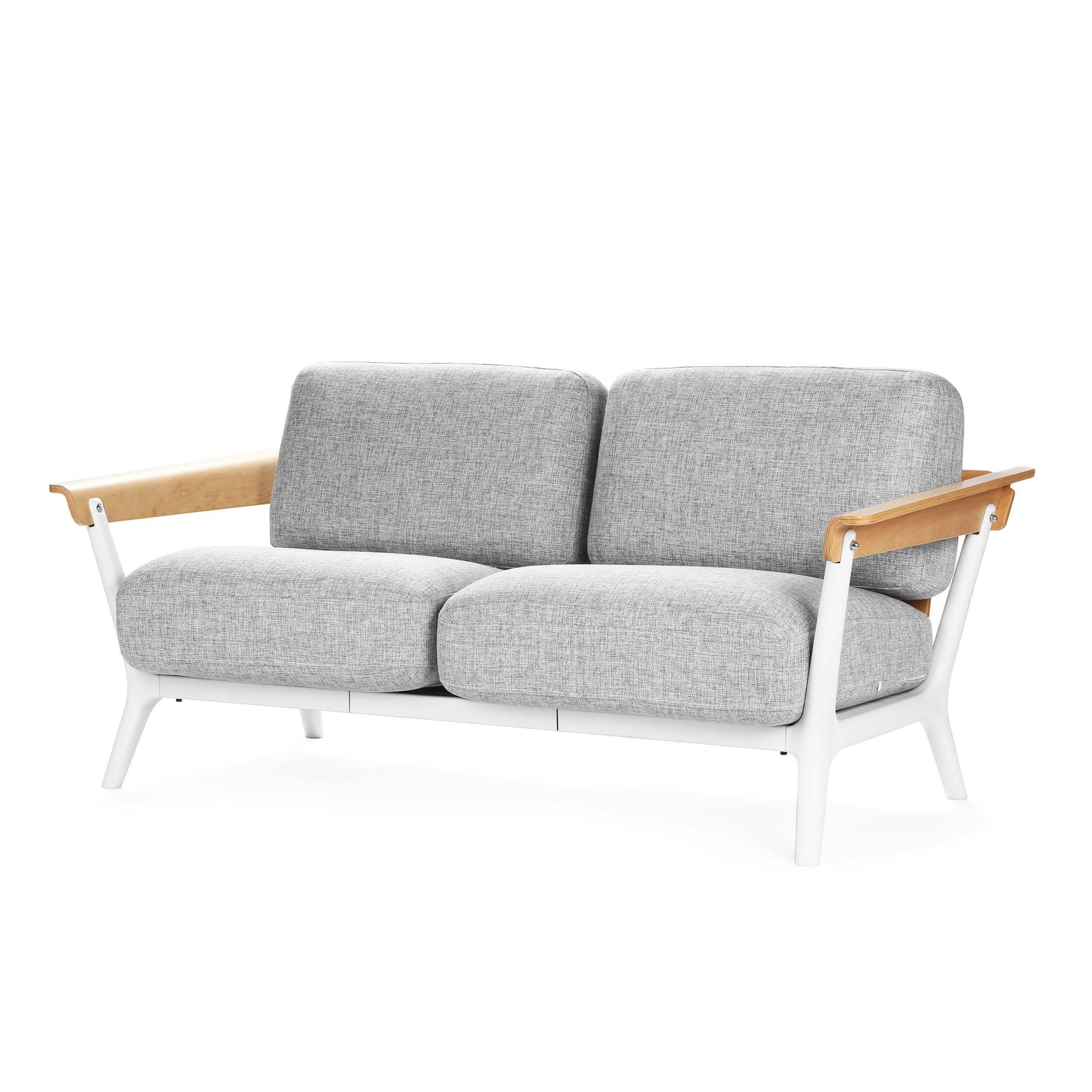 Диван VeneziaДвухместные<br>Дизайнерский легкий двухместный диван-софа Venezia (Венеция) с подлокотниками от Cosmo (Космо).<br><br>Емкое и содержательное название изделия совсем под стать его дизайну. О простом, но непременно стильном диване Venezia можно по праву сказать: модное и со вкусом.<br> <br> Оригинальный диван Venezia — дизайн в стиле скандинавского модерна. Другое название направления — датский модерн. Этот стиль, получив распространение в северных странах, постепенно актуализировался и в европейских странах. Он ст...<br><br>stock: 0<br>Высота: 81.5<br>Высота сиденья: 40<br>Глубина: 70.5<br>Длина: 162<br>Цвет подлокотников: Коричневый<br>Материал обивки: Лен<br>Материал подлокотников: Массив бука<br>Тип материала каркаса: Полипропилен<br>Тип материала обивки: Ткань<br>Цвет обивки: Серый<br>Цвет каркаса: Белый