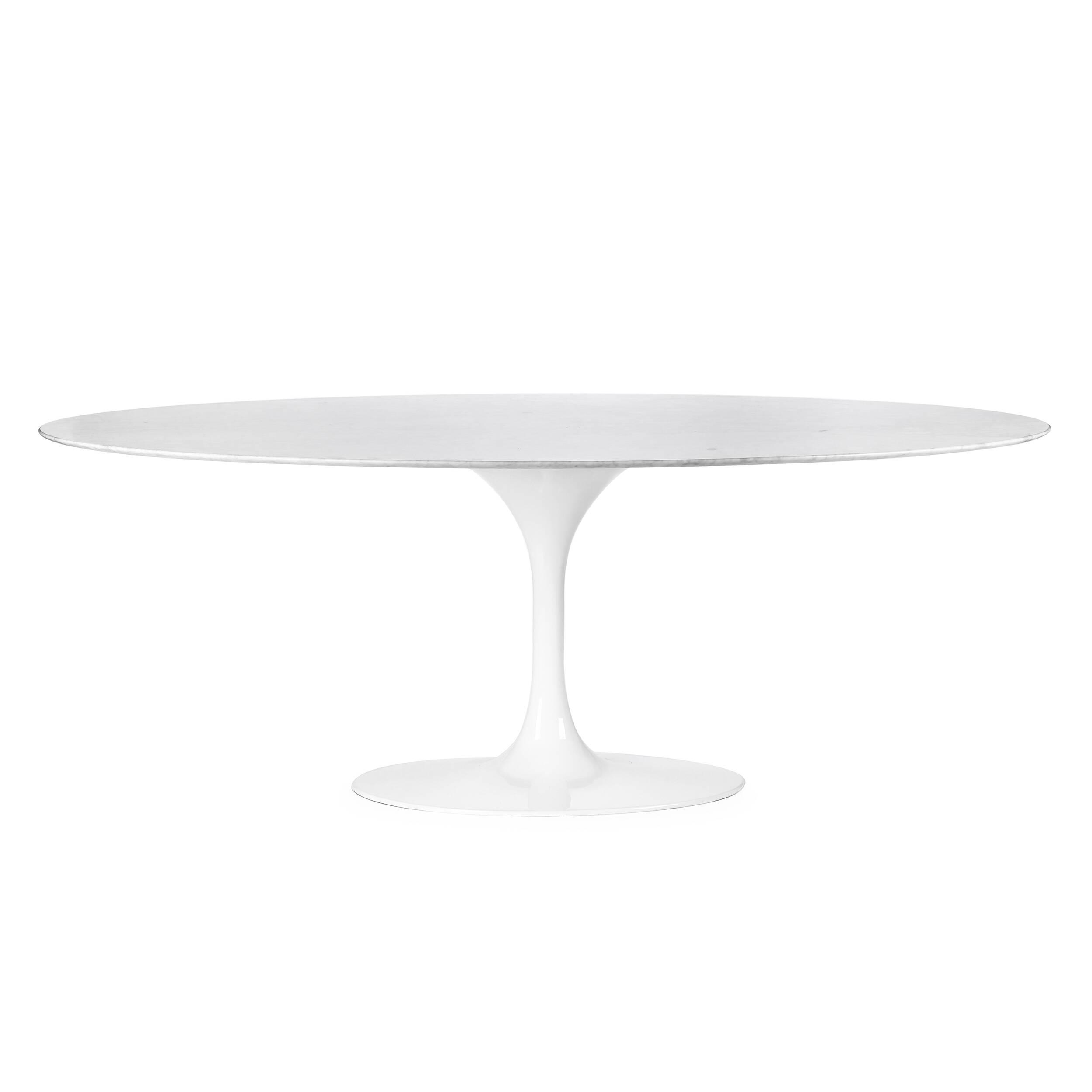 Обеденный стол Tulip овальныйОбеденные<br>Дизайнерская широкий глянцевый обеденный стол Tulip (Тулип) овальный на одной ножке с гранитной столешницей от Cosmo (Космо).У каждого знаменитого дизайнера прошлого столетия есть своя «формула вечного дизайна», а значит, есть и произведения дизайнерского искусства, которые уже много лет не выходят из моды, не теряют своей актуальности и востребованы по сей день. Стол Tulip как раз был разработан при помощи такой формулы, которую вывел Ээро Сааринен. Изящная ножка-тюльпан и круглая столешница...<br><br>stock: 0<br>Высота: 72<br>Ширина: 196<br>Диаметр: 122<br>Цвет ножек: Белый глянец<br>Цвет столешницы: Белый<br>Материал столешницы: Мрамор итальянский<br>Тип материала столешницы: Мрамор<br>Тип материала ножек: Алюминий