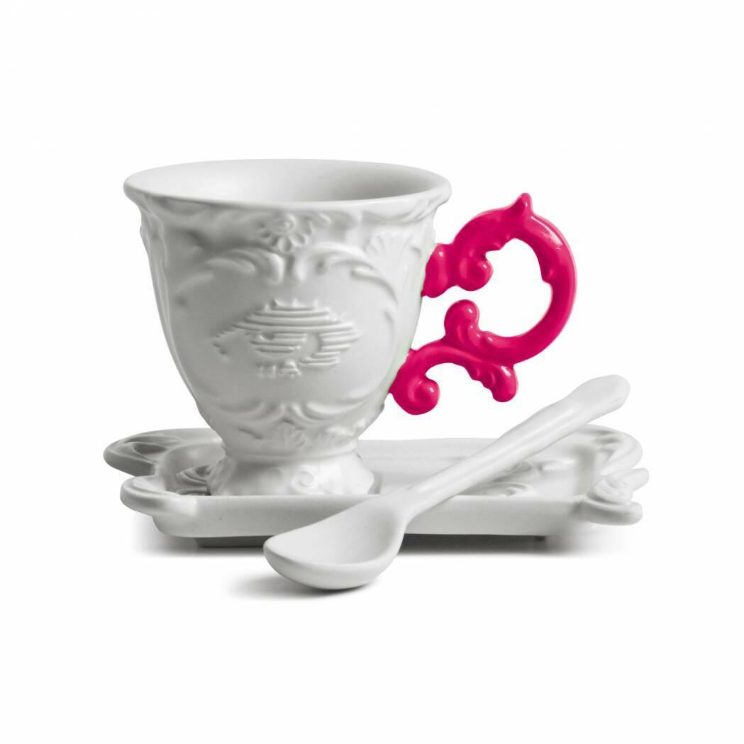 Кофейная пара I-CoffeeПосуда<br>Кофейная пара I-Coffee из коллекции изысканных предметов кухонной утвари компании Seletti выполнена в классическом стиле барокко, замысловатость и роскошь которого необычно дополнена деталями в ярких неоновых оттенках. <br> <br> Кофейная пара I-Coffee отличается витиеватыми ручками с мелким узором и декорированными основами. Предметы коллекции смотрятся богато и изысканно и могут достойно украсить самый стильный интерьер.<br><br>stock: 0<br>Высота: 7, 10<br>Материал: Фарфор<br>Цвет: Белый + розовая ручка/ White + Fuchsia<br>Диаметр: 7, 13