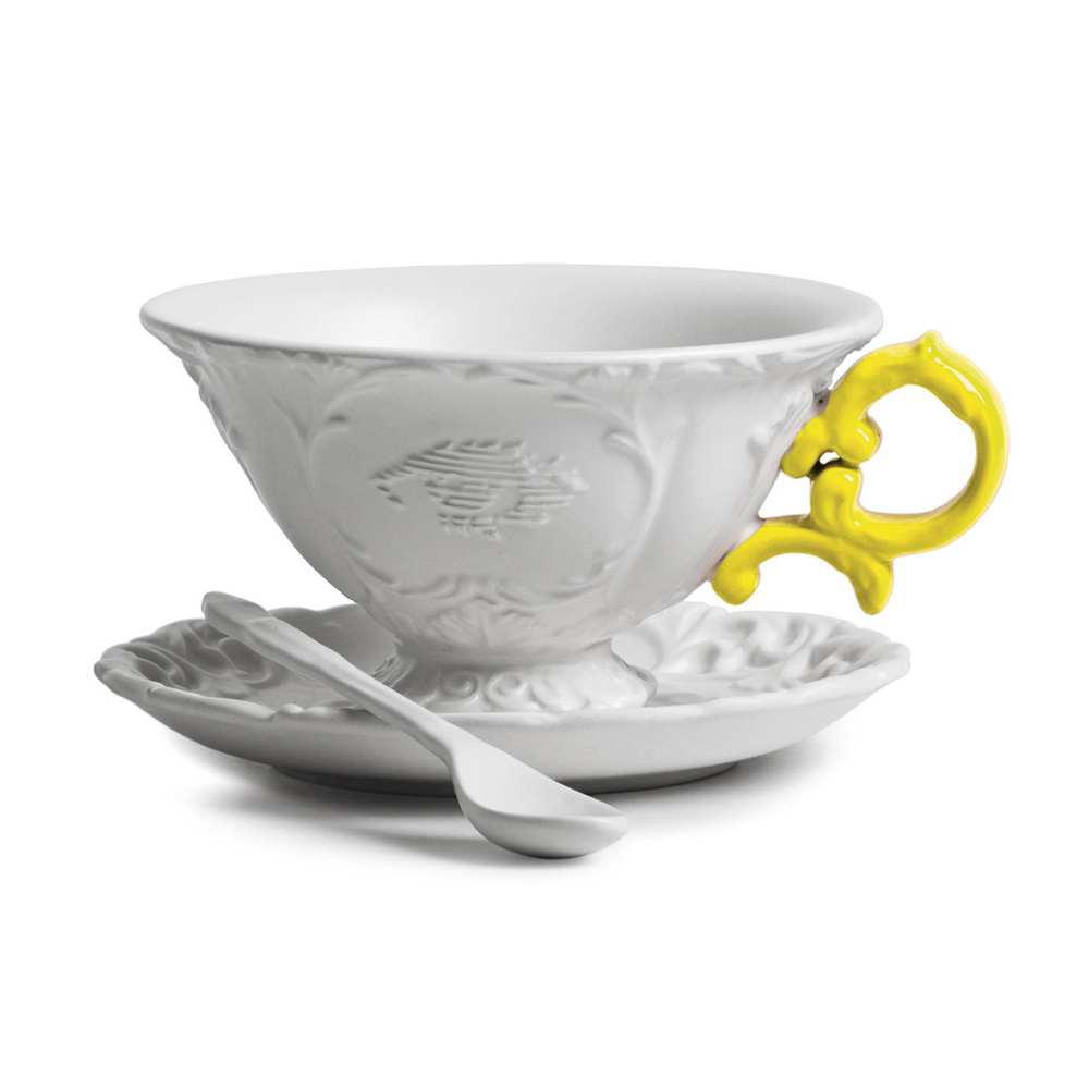 Чайная пара I-TeaПосуда<br>Чайная пара I-Tea из коллекции изысканных предметов кухонной утвари компании Seletti выполнена в классическом стиле барокко, замысловатость и роскошь которого необычно дополнена деталями в ярких неоновых оттенках. <br> <br> Чайная пара I-Tea отличается витиеватыми ручками с мелким узором и декорированными основами. Предметы коллекции смотрятся богато и изысканно и могут достойно украсить самый стильный интерьер.<br><br>stock: 0<br>Высота: 12<br>Материал: Фарфор<br>Цвет: Белый + желтая ручка/ White + Yellow<br>Диаметр: 15