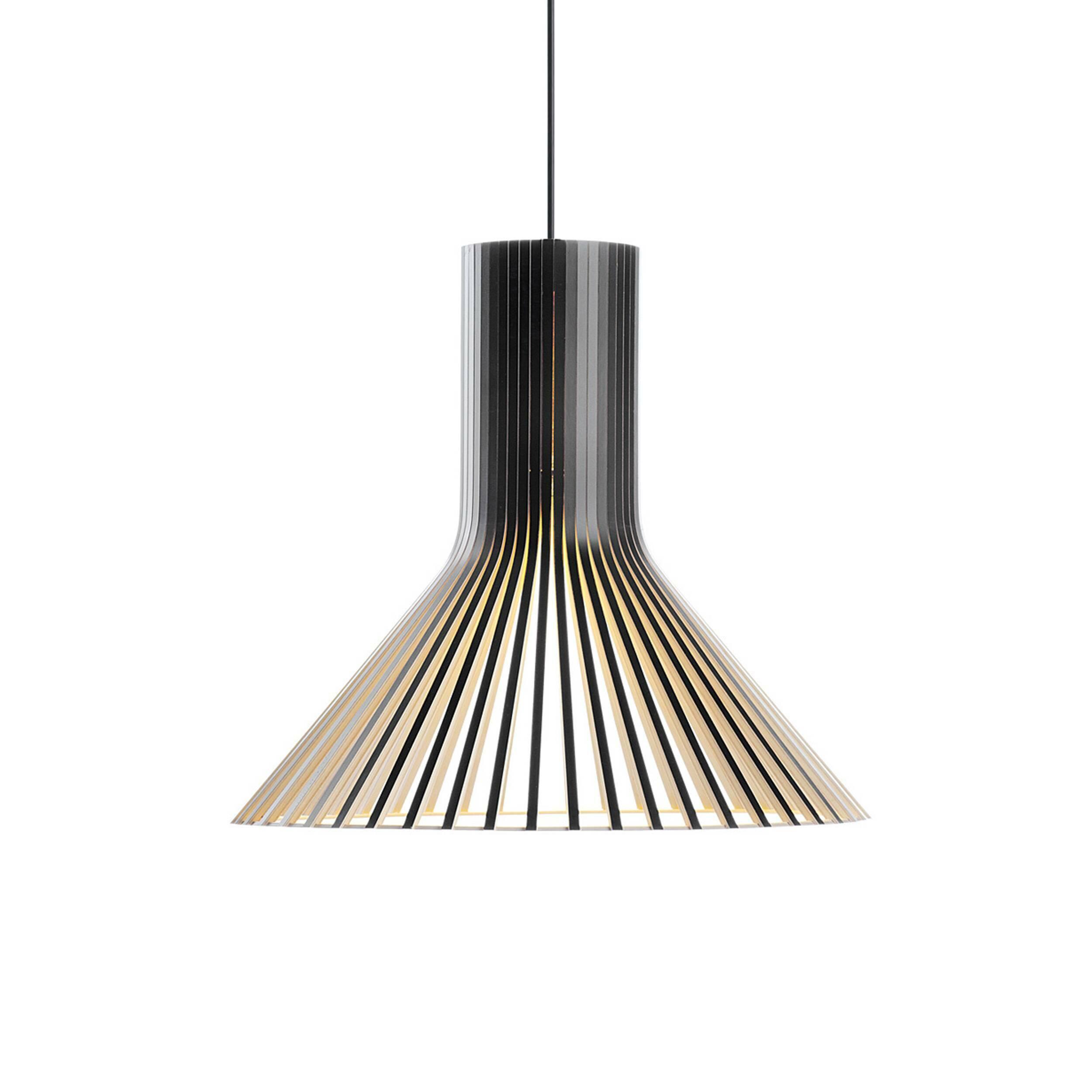 Подвесной светильник Puncto 4203Подвесные<br>Компания Secto Design является финским производителем дизайнерских светильников из дерева, обретающих всемирную известность. Изготавливаемые вручную высококвалифицированными специалистами из натуральной древесины березы, они наделены простотой и четкостью скандинавского стиля. Торшеры, подвесные и настенные светильники, а также настольные лампы обеспечивают мягкое свечение и придают атмосферность любому помещению.<br><br> Подвесной светильник Puncto 4203 изготовлен по эскизам финского дизайнера С...<br><br>stock: 0<br>Высота: 40<br>Диаметр: 45<br>Количество ламп: 1<br>Материал абажура: Береза<br>Мощность лампы: 40<br>Ламп в комплекте: Нет<br>Напряжение: 220<br>Теплота света: 3000<br>Тип лампы/цоколь: E27<br>Цвет абажура: Черный