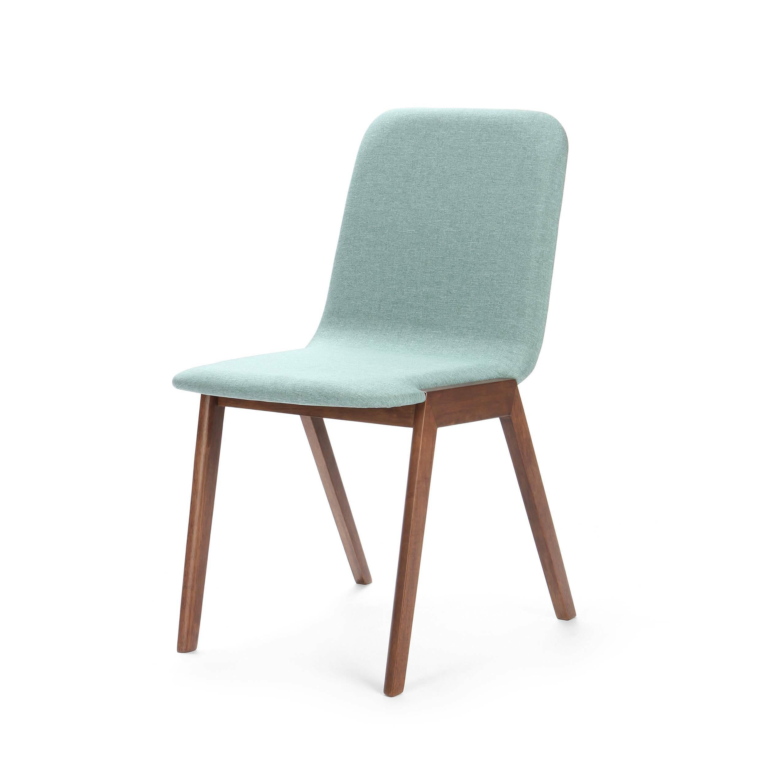 Стул MaysonИнтерьерные<br>Дизайнерский мягкий легкий голубой стул Mayson (Мэйсон) без подлокотников от Cosmo (Космо).<br>Доступный в двух цветах каркаса стул Mayson — превосходный кандидат для обеденной зоны. Дизайнеры сделали изделие комфортным, но компактным, благодаря чему он не занимает много места на небольшой кухне. Для устойчивости ножки расставлены под тупым углом, а для того чтобы не портилось напольное покрытие, на них имеются специальные насадки. <br> <br> Благодаря двум цветовым решениям легко подобрать наиболее...<br><br>stock: 0<br>Высота: 83<br>Высота сиденья: 46<br>Ширина: 58<br>Глубина: 45<br>Цвет ножек: Орех<br>Наполнитель: Пена<br>Материал ножек: Массив каучукового дерева<br>Материал сидения: Полиэстер<br>Цвет сидения: Голубой<br>Тип материала сидения: Ткань<br>Тип материала ножек: Дерево