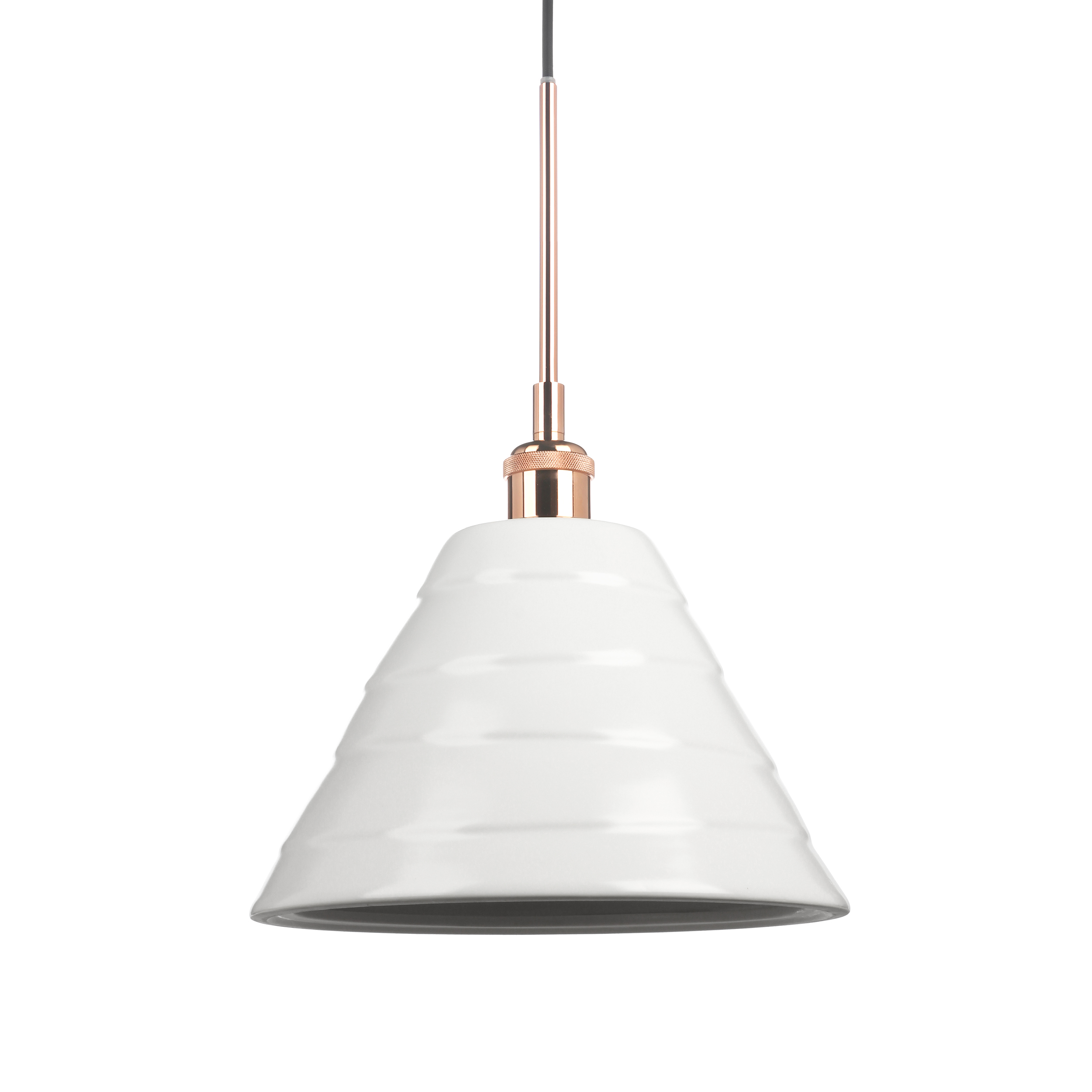 Подвесной светильник Cera 2Подвесные<br>Подвесные светильники из коллекции Cera очень просты по своему дизайну, но это — одно из их преимуществ. Абажур каждой из моделей выполнен из керамики в белом цвете. Они отлично сочетаются со светлыми интерьерами в стиле скандинавского эко. Для этого направления характерно использование натуральных материалов, в том числе и керамики. <br> <br> Данная модель — подвесной светильник Cera 2. Это самый крупный по высоте абажур в серии. Его нейтральную цветовую гамму разбавляет цоколь в «бронзе», котор...<br><br>stock: 70<br>Высота: 150<br>Диаметр: 28<br>Количество ламп: 1<br>Материал абажура: Керамика<br>Материал арматуры: Металл<br>Мощность лампы: 40<br>Ламп в комплекте: Нет<br>Напряжение: 220-240<br>Тип лампы/цоколь: E27<br>Цвет абажура: Белый<br>Цвет арматуры: Черный матовый<br>Цвет провода: Черный