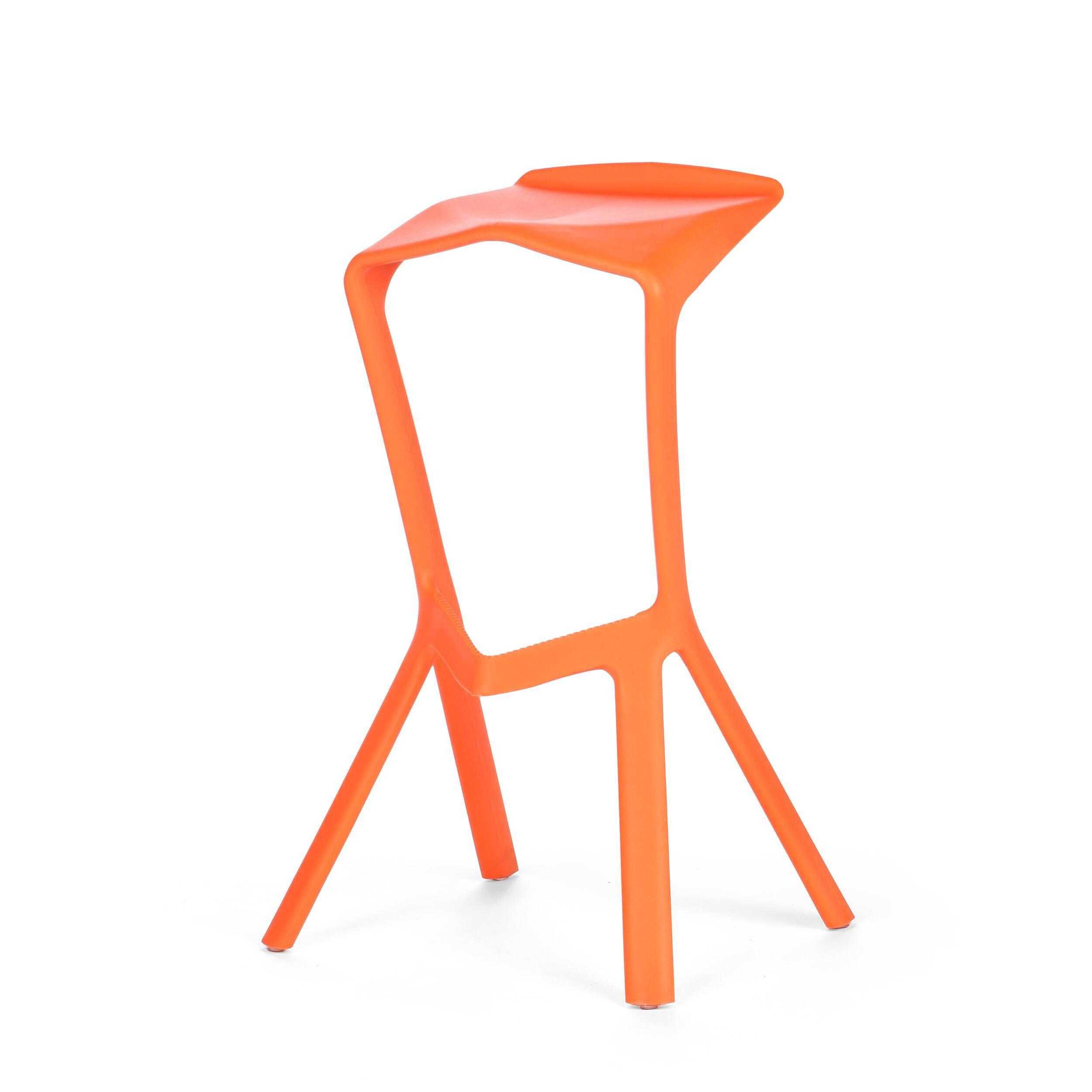 Барный стул Miura 2Барные<br>Дизайнерский барный стул Miura 2 (Миюра) необычной формы с каркасом из полипропилена от Cosmo (Космо). <br><br> Известный немецкий дизайнер Константин Грчик любит экспериментировать. Благодаря смелому видению и умению сочетать практичность и эстетику он получает самые престижные дизайнерские награды, его творения выигрывают призы на конкурсах, некоторые даже являются экспонатами Нью-Йоркского музея современного искусства. Барный стул Miura 2 — один из таких предметов, эта работа была представлен...<br><br>stock: 0<br>Высота: 82<br>Высота сиденья: 77.5<br>Ширина: 48<br>Глубина: 40.5<br>Тип материала каркаса: Полипропилен<br>Цвет каркаса: Оранжевый