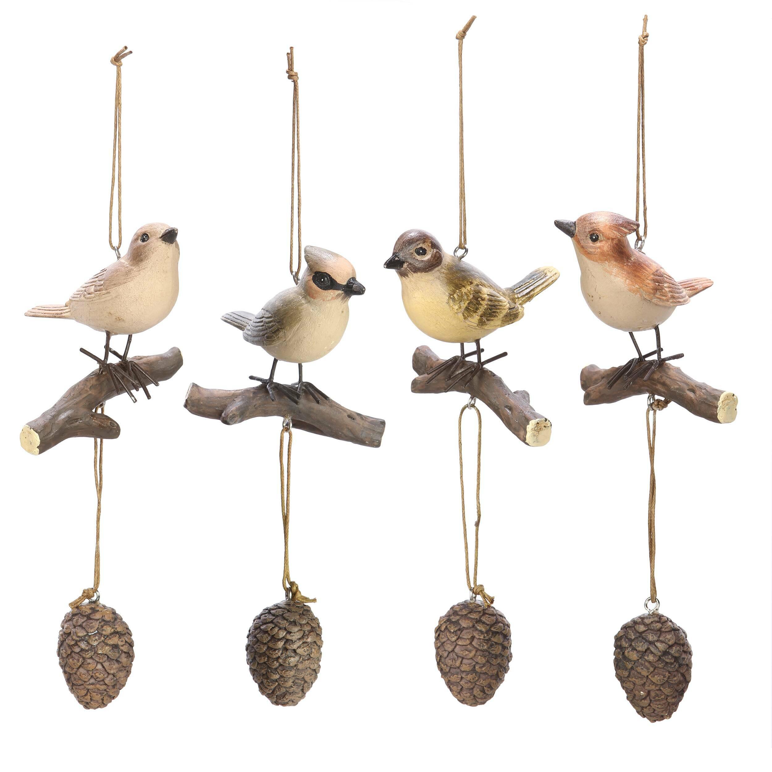 Декор Song-BirdsРазное<br>Дизайнерские подвисные статуэтки Song-Birds (Сонг-Бёрдс) в форме птиц от Cosmo (Космо).<br>Оригинальные декор Song-Birds — это миловидное украшение для интерьера от компании Cosmo, которая с радостью дарит новые и новые дизайнерские решения под любого, даже самого строго ценителя красоты в интерьере. <br><br> Данный вариант декора подойдет тем, кто во всем ценит первозданную красоту. Изделие представляет собой певчих птиц, усевшихся на веточках. Статуэтки выполнены столь реалистично, что от колыхан...<br><br>stock: 12<br>Высота: 16.5<br>Ширина: 7.2<br>Материал: Смола<br>Цвет: Коричневый<br>Длина: 7.5