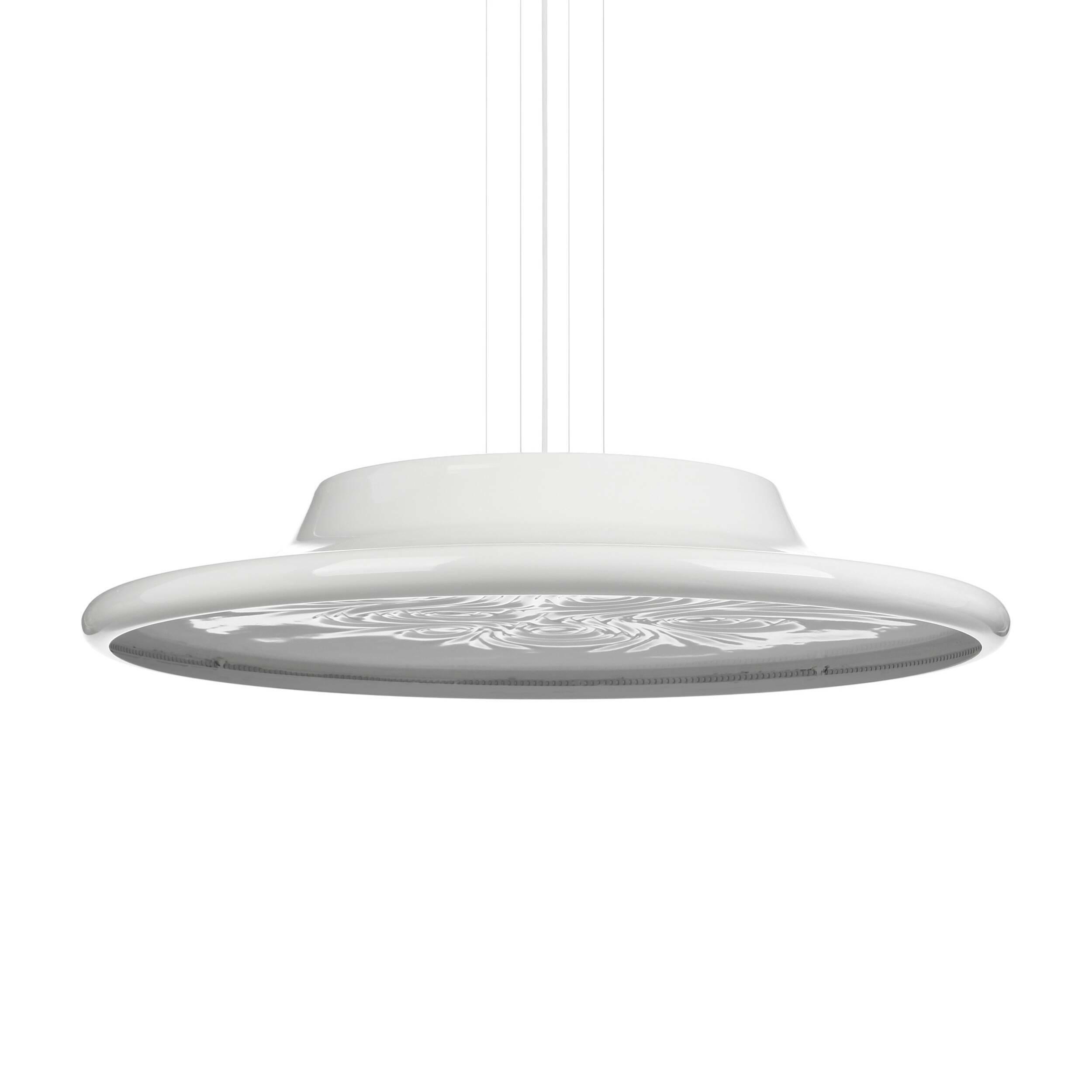 Подвесной светильник NebulaПодвесные<br>Подвесной светильник Nebula создан британским дизайнером Россом Лавгроувом. Среди его клиентов Sony, Apple, Louis Vuitton, Hermes и многие другие. Работы выставлялись в Музее современного искусства (Нью-Йорк), Музее дизайна (Лондон), Центре Помпиду (Париж) и Axis Centre (Япония). <br><br><br> По мнению многих, работы Росса Лавгроува олицетворяют новую эстетику XXI века: чувственный органический дизайн, воплощенный в красивых и эргономичных объектах. Диффузор подвесного светильника Nebula диамет...<br><br>stock: 1<br>Высота: 150<br>Диаметр: 80<br>Материал абажура: Алюминий<br>Мощность лампы: 38,4<br>Ламп в комплекте: Нет<br>Напряжение: 220<br>Тип лампы/цоколь: LED<br>Цвет абажура: Белый