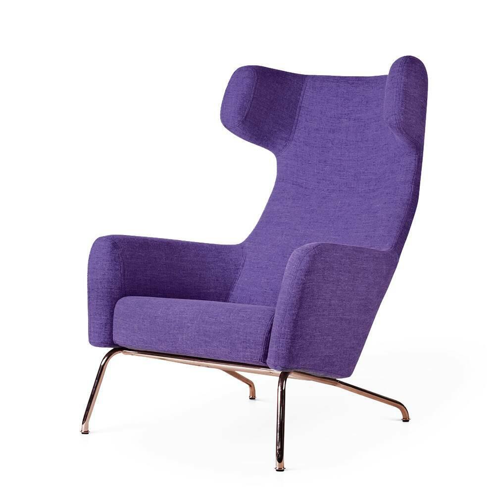 Кресло HavanaИнтерьерные<br>Дизайнерское интерьерное мягкое кресло Havana (Гавана) с откинутой спинкой с обивкой из ткани от Softline (Софтлайн).<br><br><br> Знаковое кресло Havana от знаменитого датского дуэта Буск и Херцог — это новый подход к классическим формам кресла для отдыха. Это культовое кресло для релаксации создано для того, чтобы давать уют и комфорт пользователю. Привычные классические формы приобретают динамику и движение, при этом не искажая целостный дизайн кр...<br><br>stock: 0<br>Высота: 107<br>Высота сиденья: 40<br>Ширина: 79<br>Глубина: 96<br>Цвет ножек: Медь<br>Тип материала обивки: Ткань<br>Тип материала ножек: Сталь<br>Цвет обивки: Сиреневый