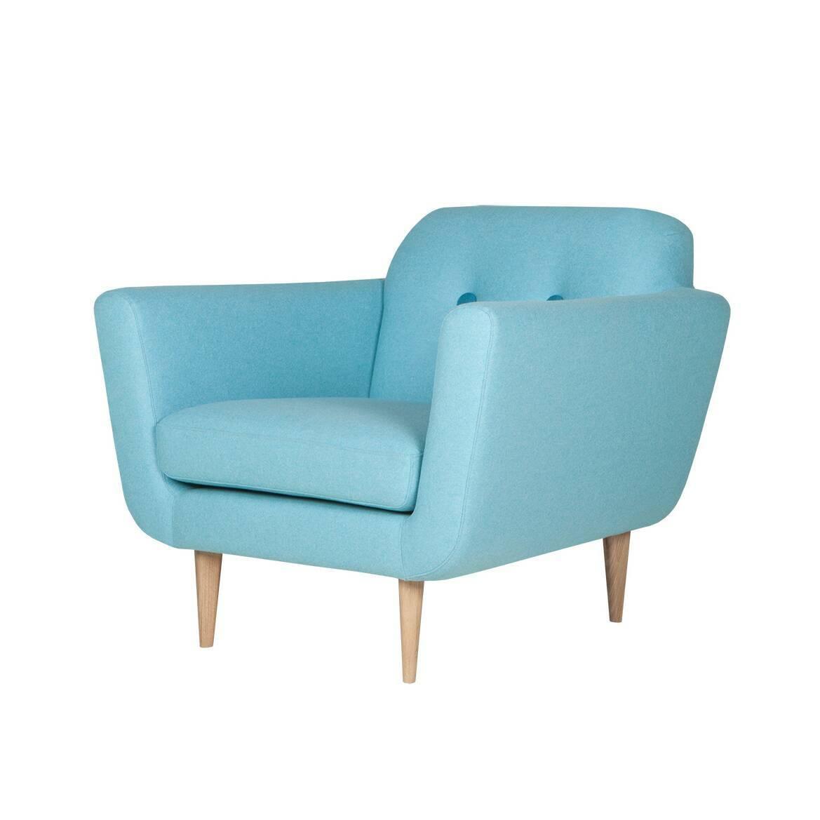 Кресло OttoИнтерьерные<br>Дизайнерское глубокое комфортное светлое кресло Otto (Отто) с тканевой обивкой от Sits (Ситс).<br><br><br> Необычайно удобное и столь же красивое кресло Otto разработано ведущими дизайнерами мебельной компании Sits. Кресло имеет очень удобную форму: приятное мягкое сиденье, слегка откинутая назад спинка, декорированная двумя элегантными пуговицами, и высокие подлокотники, которые создают у сидящего ощущение психологической защищенности и уюта.<br><br><br> Кресло Otto<br>имеет несъемный чехол, что, одна...<br><br>stock: 0<br>Высота: 77<br>Высота сиденья: 43<br>Ширина: 87<br>Глубина: 88<br>Цвет ножек: Беленый дуб<br>Материал обивки: Шерсть, Полиамид<br>Степень комфортности: Стандарт комфорт<br>Материал пуговиц: Шерсть, Полиамид<br>Цвет пуговиц: Бирюзовый<br>Форма подлокотников: Стандарт<br>Коллекция ткани: Категория ткани III<br>Тип материала обивки: Ткань<br>Тип материала ножек: Дерево<br>Цвет обивки: Светло-бирюзовый