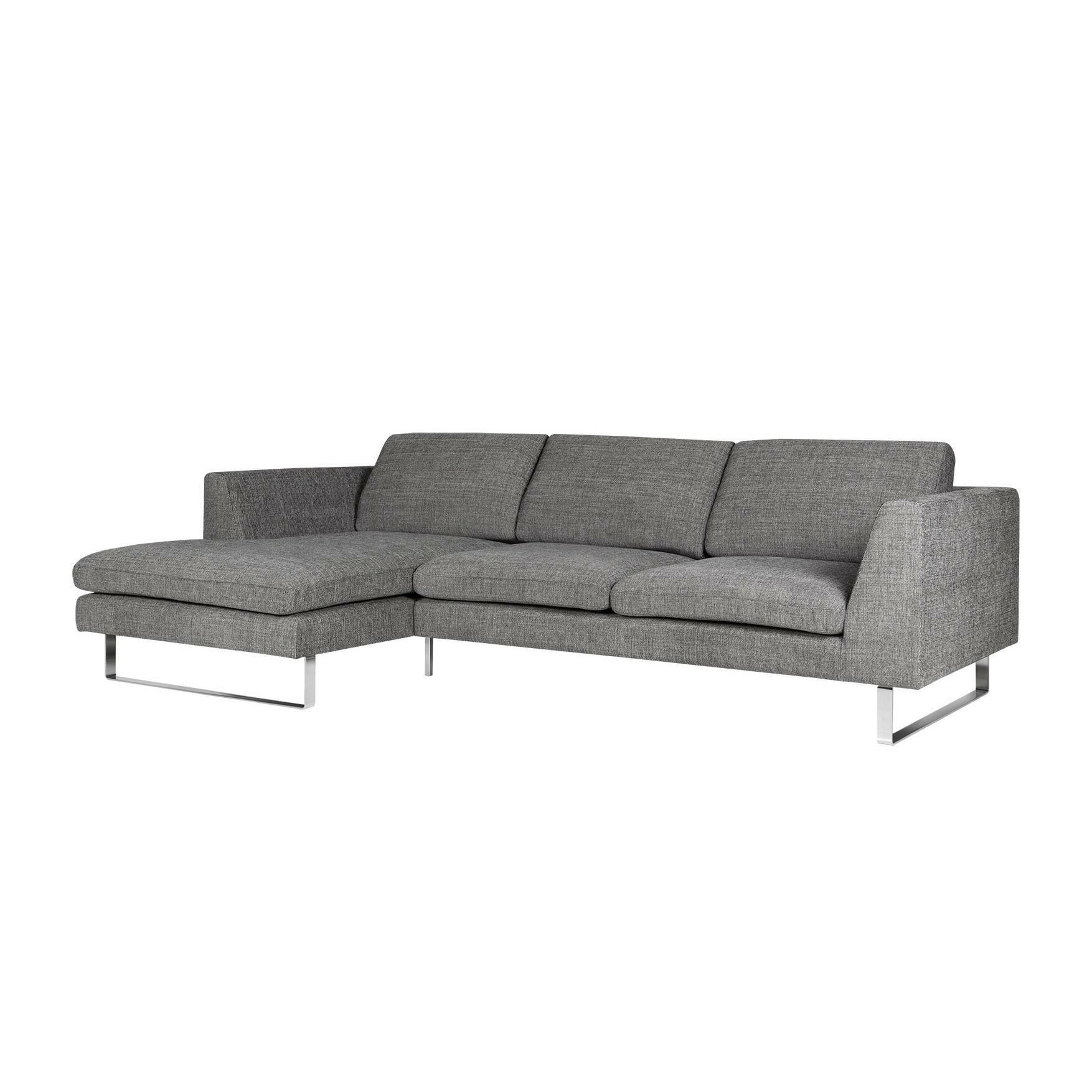 Угловой диван Tokyo левостороннийУгловые<br>Дизайнерский длинный серый диван Tokyo (Токио) с обивкой из полиэстера на ножках в цвете хром от Sits (Ситс).<br> Угловой диван Tokyo левосторонний выполнен в простом, классическом стиле, который слегка разбавляют стальные хромированные ножки, благодаря чему диван получается более стильным и современным. Диван элегантного серого цвета имеет много места для сидения и лежания, что способствует отличному отдыху после тяжелого трудового дня. <br><br><br> Оригинальный диван Tokyo<br>отличается приятной на ...<br><br>stock: 0<br>Высота: 80<br>Высота сиденья: 43<br>Глубина: 102<br>Длина: 250<br>Цвет ножек: Хром<br>Материал обивки: Полиэстер<br>Степень комфортности: Люкс<br>Форма подлокотников: Стандарт<br>Коллекция ткани: Категория ткани III<br>Тип материала обивки: Ткань<br>Тип материала ножек: Сталь нержавеющая<br>Длина шезлонга (см): 155<br>Цвет обивки: Серый