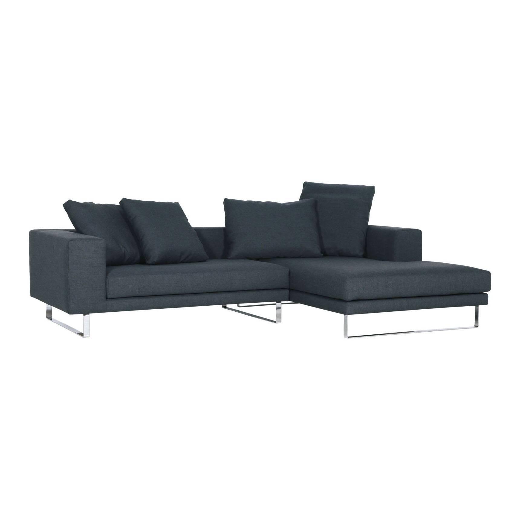 Угловой диван Linnea правостороннийУгловые<br>Дизайнерский комфортный темно-синий диван Linnea (Линея) на высоких ножках от Sits (Ситс).<br> Великолепный угловой диван Linnea правосторонний, созданный ведущими дизайнерами мебельной компании Sits, способен стать незаменимым и ярким элементом любого интерьера. Конструкция углового дивана позволит вам расположиться с максимальным удобством и насладиться полноценным отдыхом с чашечкой чая или любимой книгой. Набор декоративных подушек различного размера поможет вам расслабиться и кроме того в...<br><br>stock: 0<br>Высота: 64<br>Высота сиденья: 40<br>Глубина: 102<br>Длина: 267<br>Цвет ножек: Хром<br>Материал обивки: Хлопок, Лен<br>Степень комфортности: Стандарт комфорт<br>Форма подлокотников: Стандарт<br>Коллекция ткани: Категория ткани II<br>Тип материала обивки: Ткань<br>Тип материала ножек: Сталь нержавеющая<br>Длина шезлонга (см): 200<br>Цвет обивки: Тёмно-синий