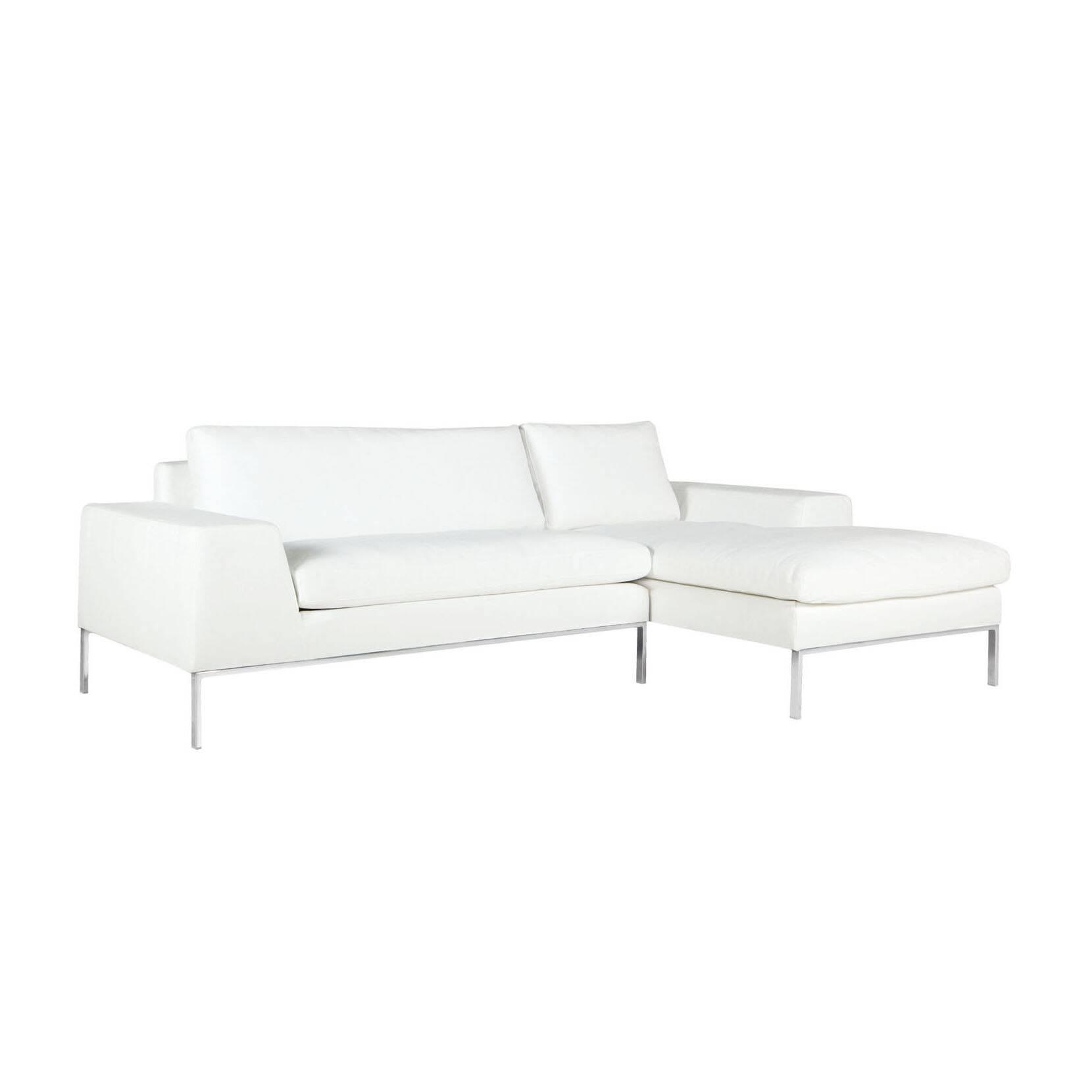 Угловой диван Justus правостороннийУгловые<br>Дизайнерский белый глубокий диван Justus (Джастас) со стандартными подлокотниками от Sits (Ситс).<br> Если создать в доме или офисных комнатах правильную обстановку, грамотно подобрать мебель и красиво оформить помещение, то даже в самую пасмурную погоду в таком помещении вы будете чувствовать себя комфортно и легко, а хороший, светлый дизайн будет поднимать настроение и радовать взгляд любого посетителя.<br><br><br> Угловой диван Justus правосторонний станет отличным решением для интерьера, выполне...<br><br>stock: 0<br>Высота: 78<br>Высота сиденья: 46<br>Глубина: 90<br>Длина: 240<br>Цвет ножек: Хром<br>Материал обивки: Полипропилен, Полиэстер, Хлопок<br>Степень комфортности: Люкс<br>Форма подлокотников: Стандарт<br>Коллекция ткани: Категория ткани III<br>Тип материала обивки: Ткань<br>Тип материала ножек: Сталь нержавеющая<br>Длина шезлонга (см): 150<br>Цвет обивки: Белый