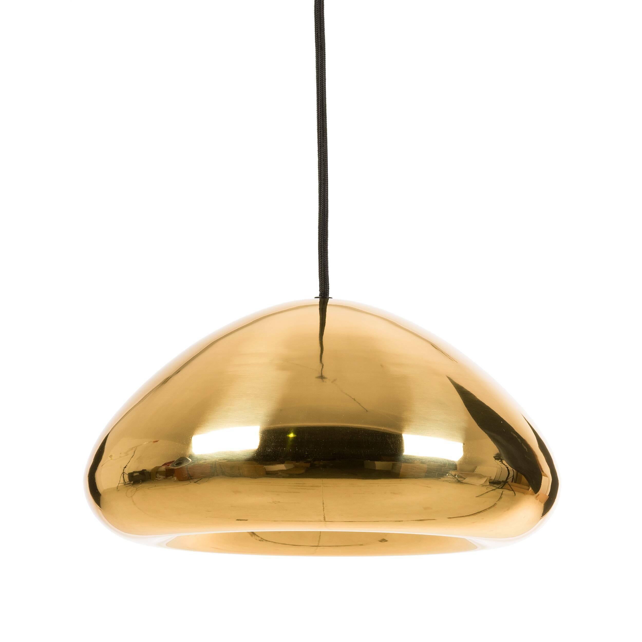 Подвесной светильник Void диаметр 30Подвесные<br>Цветовая палитра светильников Void ассоциируется с цветами олимпийских медалей. Несколько футуристичный дизайн с углублением по центру позволяет концентрировать световой луч в одном фокусе. Форма каждого изделия «лепится» вручную полностью из металла. На завершающем этапе поверхности модели придается зеркальный эффект путем тщательной полировки, после которой наносится специальный лак для достижения максимального глянца.<br><br><br> Подвесной светильник Void диаметр 30 отлично подходит для испо...<br><br>stock: 41<br>Высота: 180<br>Диаметр: 30<br>Количество ламп: 1<br>Материал абажура: Алюминий<br>Мощность лампы: 40<br>Ламп в комплекте: Нет<br>Напряжение: 220<br>Тип лампы/цоколь: G9 LED<br>Цвет абажура: Медный