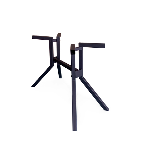Подстолье (VA-4007HQ)Подстолья<br>ROOMERS – это особенная коллекция, воплощение всего самого лучшего, модного и новаторского в мире дизайнерской мебели, предметов декора и стильных аксессуаров. Интерьерные решения от ROOMERS – всегда актуальны, более того, они - на острие моды. Коллекции ROOMERS тщательно отбираются и обновляются дважды в год специально для вас.<br><br>stock: 20<br>Высота: 74<br>Ширина: 80<br>Материал: Металл<br>Цвет: Black matt<br>Длина: 120<br>Длина: 120<br>Ширина: 80<br>Высота: 74