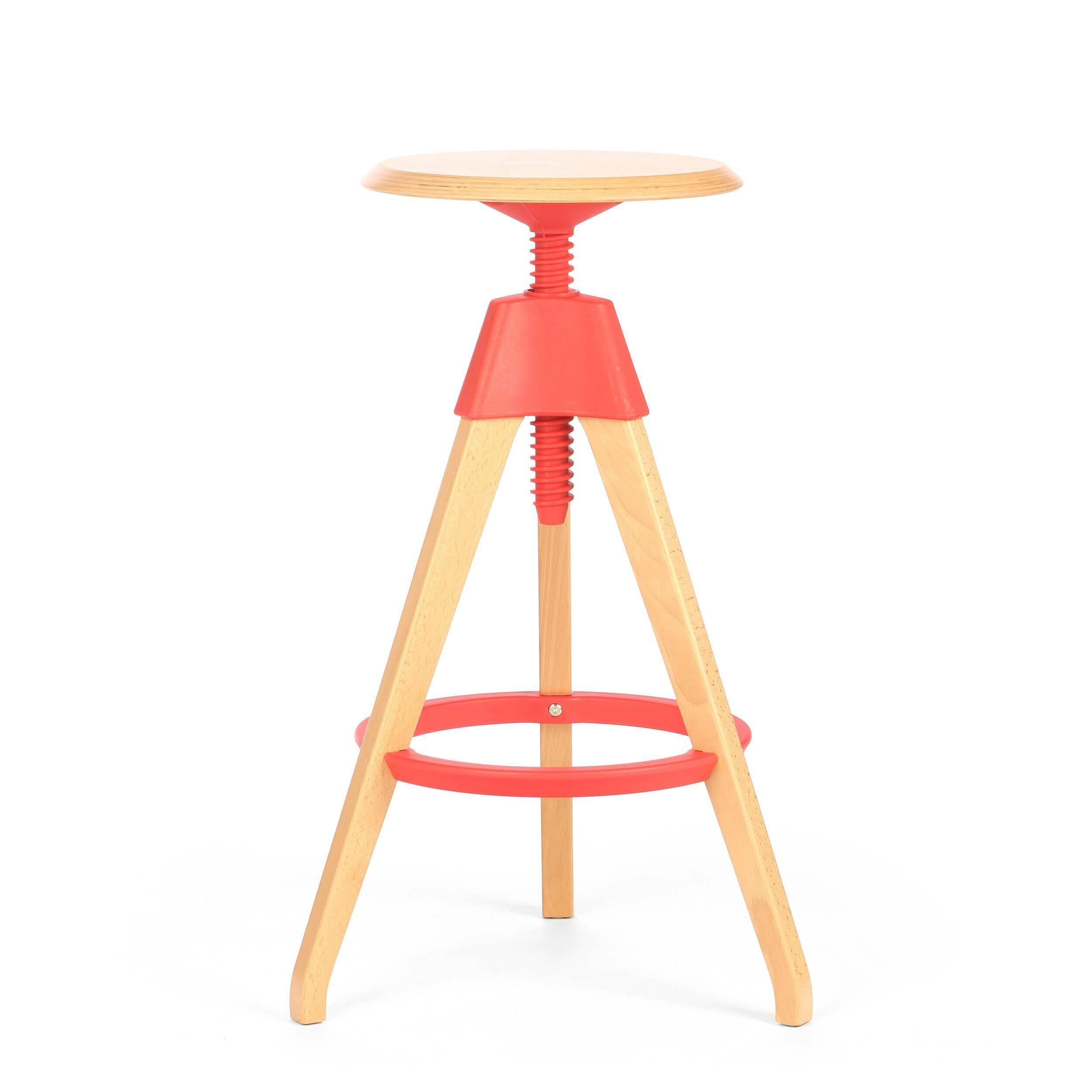Барный стул JerryБарные<br>Дизайнерский светло-коричневый деревянный барный стул Jerry (Джерри) с цветным каркасом от Cosmo (Космо). <br><br> Игривый и легкий оригинальный барный стул Jerry — это натуральное дерево в комплекте с прочным пластиком. Винтовой механизм, укрепленный под аккуратным сиденьем, позволяет регулировать высоту стула. Устойчивые ножки, выполненные из бука, гармонируют с колористическим решением конструктивных деталей.<br><br><br> Применение такой мебели довольно широко, начиная от скандинавского натурализм...<br><br>stock: 12<br>Высота: 76<br>Высота сиденья: 68-76<br>Диаметр: 45<br>Цвет ножек: Светло-коричневый<br>Материал ножек: Массив бука<br>Тип материала каркаса: Полипропилен<br>Материал сидения: Массив бука<br>Цвет сидения: Светло-коричневый<br>Тип материала сидения: Дерево<br>Тип материала ножек: Дерево<br>Цвет каркаса: Красный