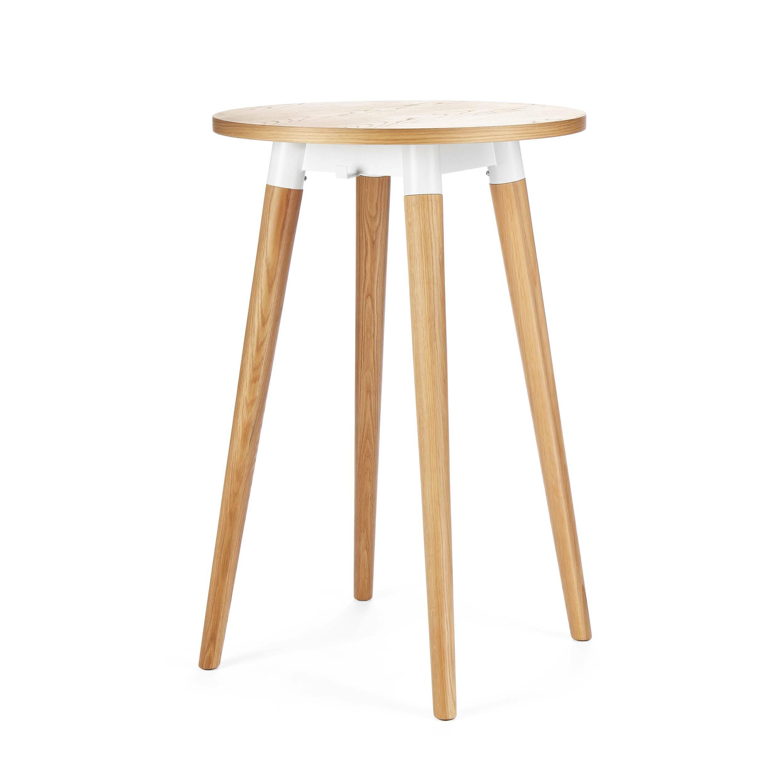 Барный стол CopineБарные<br>Дизайнерский высокий круглый стол Copine (Коупайн) из дуба от Cosmo (Космо).<br><br><br> Что означает минимализм в интерьере? Это прежде всего многофункциональная мебель, среди которой мы можем видеть лишь самую необходимую. Это позволяет обеспечить максимум пространства и воздуха, придает помещению легкость и впускает в него больше света. Именно такие задачи относительно обстановки комнаты у представленного здесь стола.<br><br><br> Барный стол Copine — разработка американского дизайнера Шона Дикса и ...<br><br>stock: 17<br>Высота: 105<br>Диаметр: 70<br>Цвет ножек: Светло-коричневый<br>Цвет столешницы: Светло-коричневый<br>Материал ножек: Массив дуба<br>Материал столешницы: Фанера, шпон дуба<br>Тип материала каркаса: Сталь<br>Тип материала столешницы: Дерево<br>Тип материала ножек: Дерево<br>Цвет каркаса: Белый