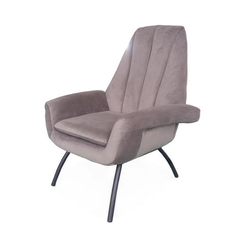 Кресло Бардокс (LC-2477HQ/HY-20)Интерьерные<br>ROOMERS – это особенная коллекция, воплощение всего самого лучшего, модного и новаторского в мире дизайнерской мебели, предметов декора и стильных аксессуаров. Интерьерные решения от ROOMERS – всегда актуальны, более того, они - на острие моды. Коллекции ROOMERS тщательно отбираются и обновляются дважды в год специально для вас.<br><br>stock: 6<br>Высота: 96<br>Ширина: 83<br>Материал: каркас металл, обивка бархат<br>Цвет: HY-20 Dolcina Grey<br>Длина: 91<br>Длина: 91<br>Ширина: 83<br>Высота: 96