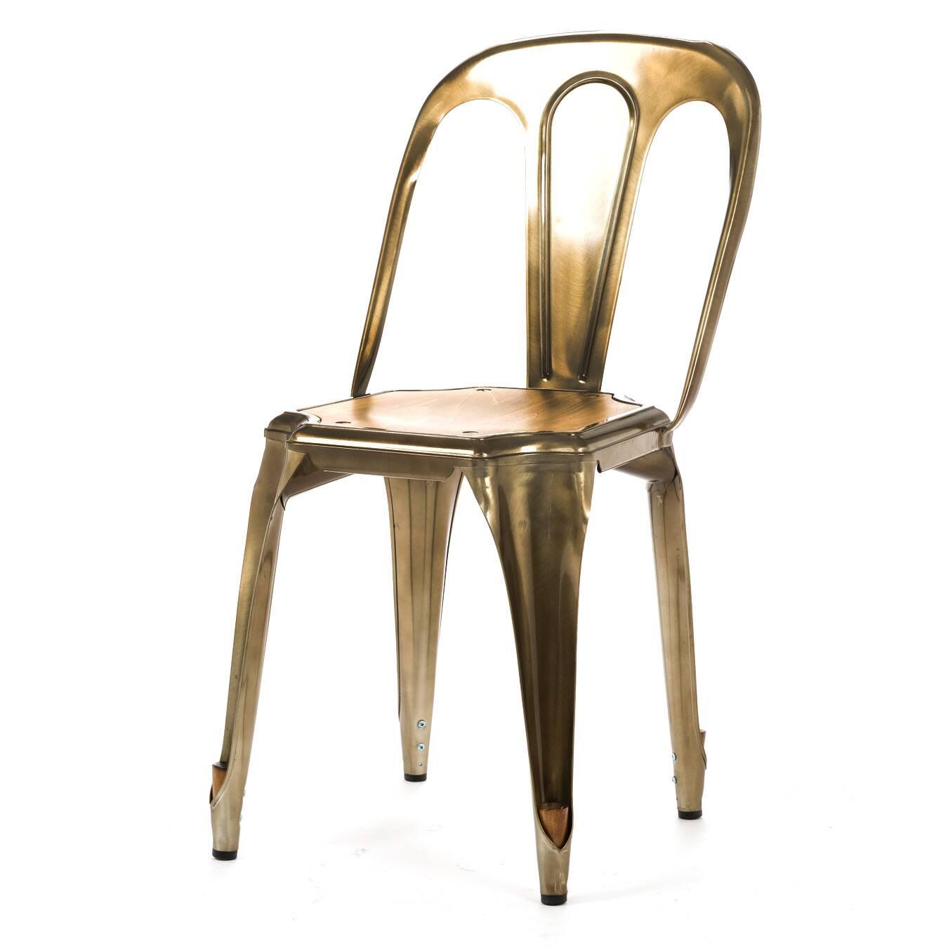 Стул Marais Vintage WoodИнтерьерные<br>Дизайнерский легкий стул Marais Vintage Wood (Мэрейс Винтаж Вуд) из стали простой формы с металлическим цветом от Cosmo (Космо).<br><br> Стул Marais Vintage Wood сочетает в себе черты, которые должны быть у каждого предмета мебели: максимум комфорта, универсальности, практичности и оригинальный дизайн. Такая мебель никогда не выходит из моды, став ее неотъемлемой частью. Вы можете поставить этот стул в офисном лофте, а можете выбрать его для своей столовой в скандинавском стиле или для веранды на...<br><br>stock: 7<br>Высота: 80<br>Высота сиденья: 45<br>Ширина: 42<br>Глубина: 53<br>Тип материала каркаса: Сталь<br>Материал сидения: Массив дуба<br>Цвет сидения: Дуб<br>Тип материала сидения: Дерево<br>Цвет каркаса: Бронза пушечная