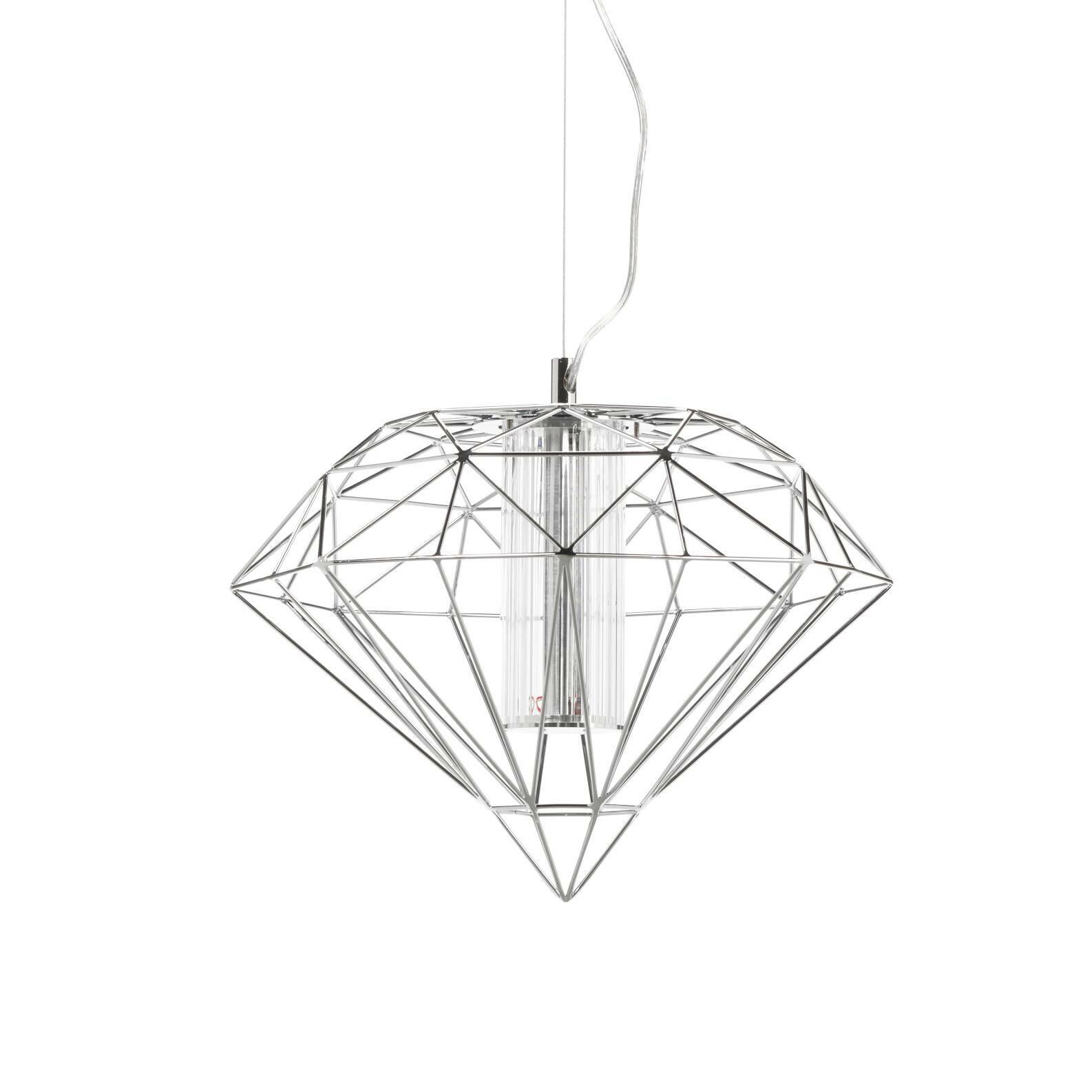 Подвесной светильник Polyhedra диаметр 40Подвесные<br>Будьте оригинальными в интерьере! Освещение в гостиной уже давно не требует внушительных и громоздких люстр, а кто-то и вовсе отказывается от верхнего света, заменив его торшерами, бра и локальными лампами. Если все же вам по душе привычный способ, но классика уже приелась, то обратите внимание на подвесной светильник Polyhedra диаметр 40.<br><br><br> Дизайнеры соединили в нем фантазийную металлическую оплетку, традиционную форму и актуальный медно-золотистый оттенок (в другом варианте это цве...<br><br>stock: 0<br>Высота: 180<br>Диаметр: 40<br>Материал абажура: Металл<br>Ламп в комплекте: Нет<br>Напряжение: 220<br>Тип лампы/цоколь: LED<br>Цвет абажура: Хром