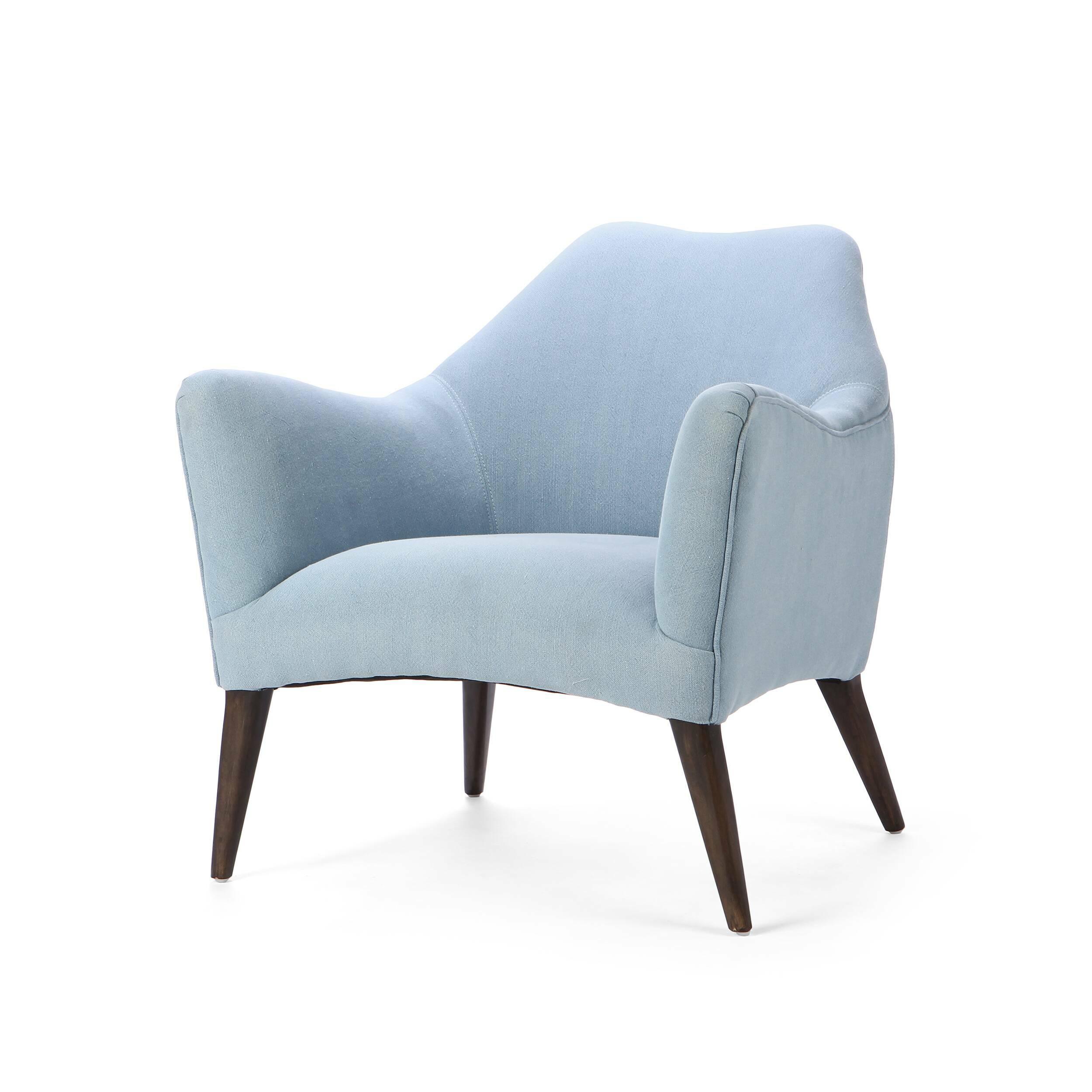 Кресло SvenИнтерьерные<br>Дизайнерское красивое анатомическое удобное кресло Sven (Свен) на деревянных ножках от Cosmo (Космо).<br><br><br> Дизайнеры компании Cosmo не устают радовать нас своими замечательными творениями. Представленное здесь кресло Sven обязательно придется по вкусу любому ценителю современных дизайнерских решений. Кресло имеет интересную форму, которая повторяет анатомические особенности тела человека, за счет чего вы сможете прекрасно отдохнуть в нем. Кресло предлагается в двух вариантах: голубом и бе...<br><br>stock: 0<br>Высота: 76<br>Высота сиденья: 43<br>Ширина: 76<br>Глубина: 79<br>Цвет ножек: Темно-коричневый<br>Материал ножек: Массив березы<br>Материал обивки: Хлопок, Лен<br>Тип материала обивки: Ткань<br>Тип материала ножек: Дерево<br>Цвет обивки: Голубой