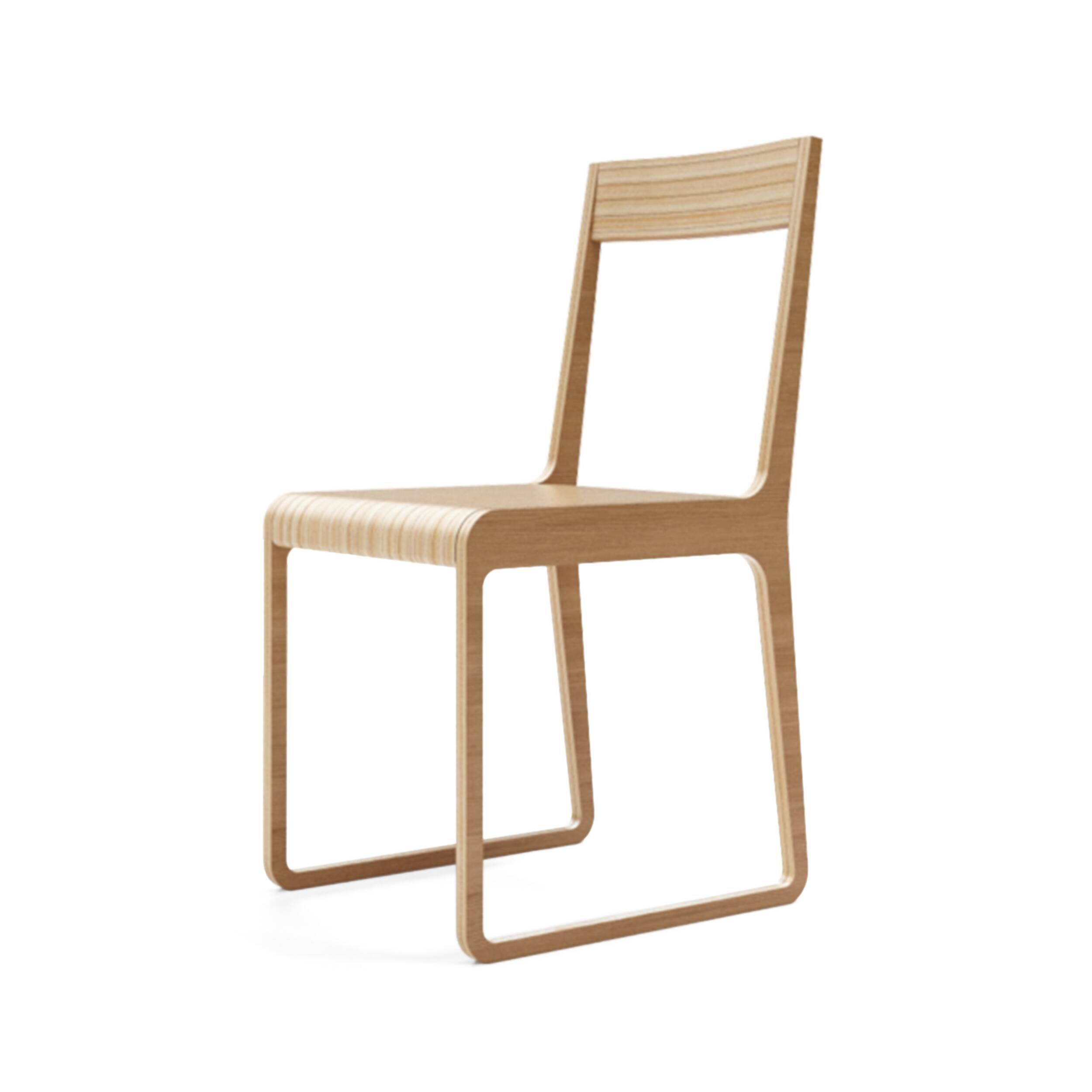 Стул SatersИнтерьерные<br>Дизайнерский легкий деревянный интерьерный стул Saters (Сатерс) классической формы в различных вариантах исполнения от Unika Moblar от Unika Moblar (Уника Моблар).<br>Классика современного дизайна — оригинальный стул Saters состоит из <br>склеенных элементов березовой фанеры и поставляется с различной отделкой:<br> натуральный шпон дуба или ореха или покраска в один из цветов, который<br> можно выбрать при заказе.<br><br>stock: 0<br>Высота: 85<br>Ширина: 40<br>Глубина: 51<br>Материал каркаса: Фанера, шпон дуба<br>Тип материала каркаса: Дерево<br>Цвет каркаса: Дуб