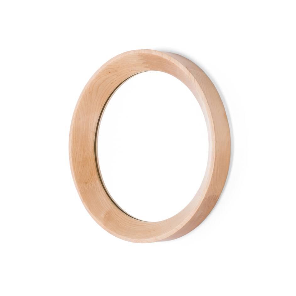 Настенное зеркало Velodrome круглоеНастенные<br>Настенное зеркало Velodrome круглое появилось благодаря тому, что однажды известный дизайнер Шон Дикс обратил свой творческий взгляд на покрытие велотрека на велодроме. И тогда ему в голову пришла мысль, что форма и текстура велотрассы напоминают раму для зеркала.<br><br><br><br> Предметы, которые вдохновляют дизайнеров на создание своих шедевров, иногда встречаются в самых неожиданных местах. Так устроен мозг гениев и талантливых людей. Они могут увидеть чудо или даже сделать открытие благодар...<br><br>stock: 1<br>Высота: 5<br>Материал: Клен Американский<br>Цвет: Натуральный/Natural<br>Диаметр: 37