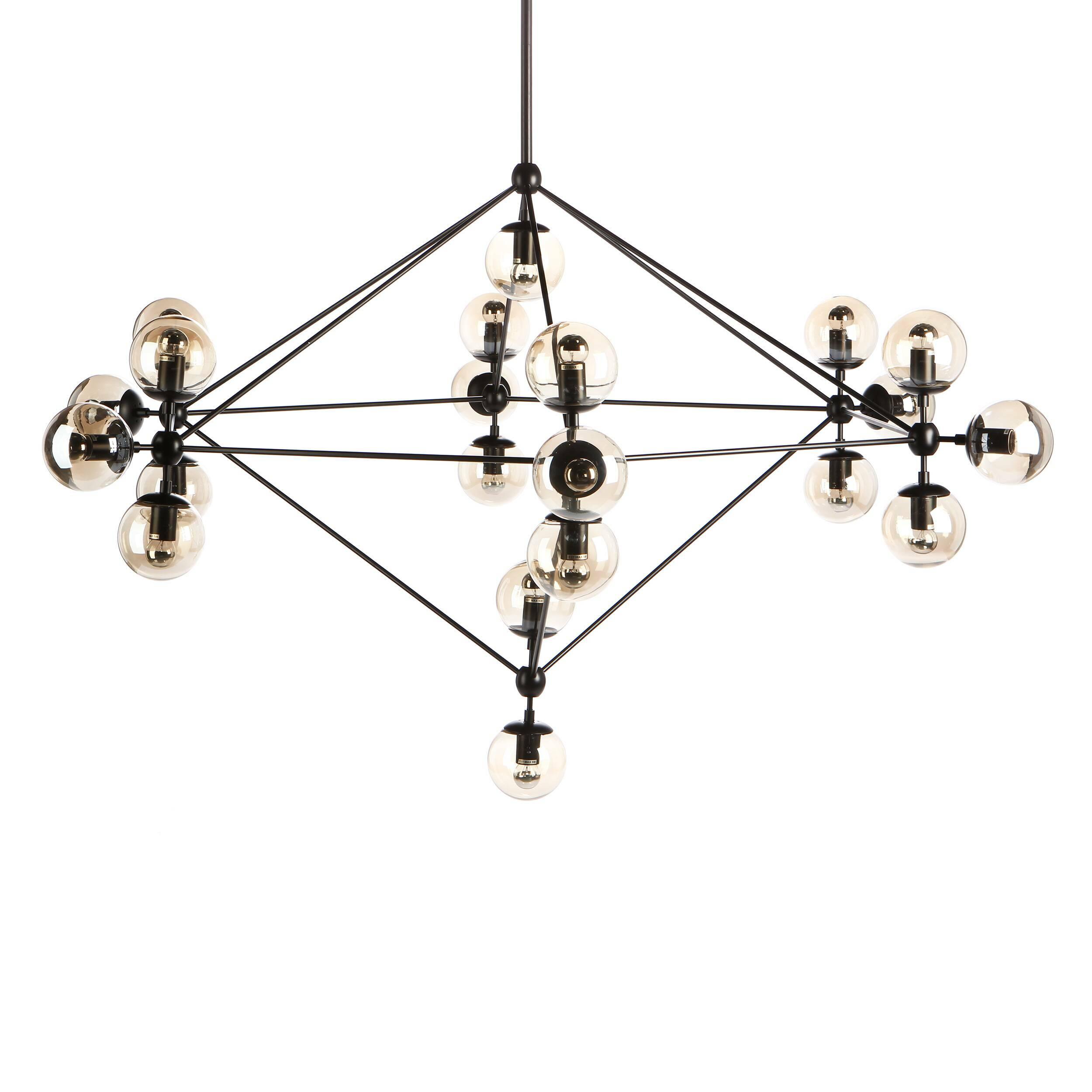Подвесной светильник Modo ChandelierПодвесные<br>Во время очередной прогулки по Канал-стрит, что недалеко от его студии в Бруклине, дизайнер Джейсон Миллер почувствовал прилив вдохновения, который привел к созданию подвесного светильника Modo Chandelier. «Пусть улица, где меня посетила эта идея, достаточно обычна и непримечательна, сам светильник выглядит очень утонченным и оригинальным», — говорит по этому поводу сам Джейсон.<br><br><br> Для создания светильника используются дорогие и качественные материалы, поэтому подвесной светильник Mod...<br><br>stock: 6<br>Высота: 235<br>Диаметр: 170<br>Количество ламп: 21<br>Материал абажура: Стекло<br>Материал арматуры: Металл<br>Мощность лампы: 5<br>Ламп в комплекте: Нет<br>Напряжение: 220<br>Тип лампы/цоколь: E27<br>Цвет абажура: Прозрачный<br>Цвет арматуры: Черный