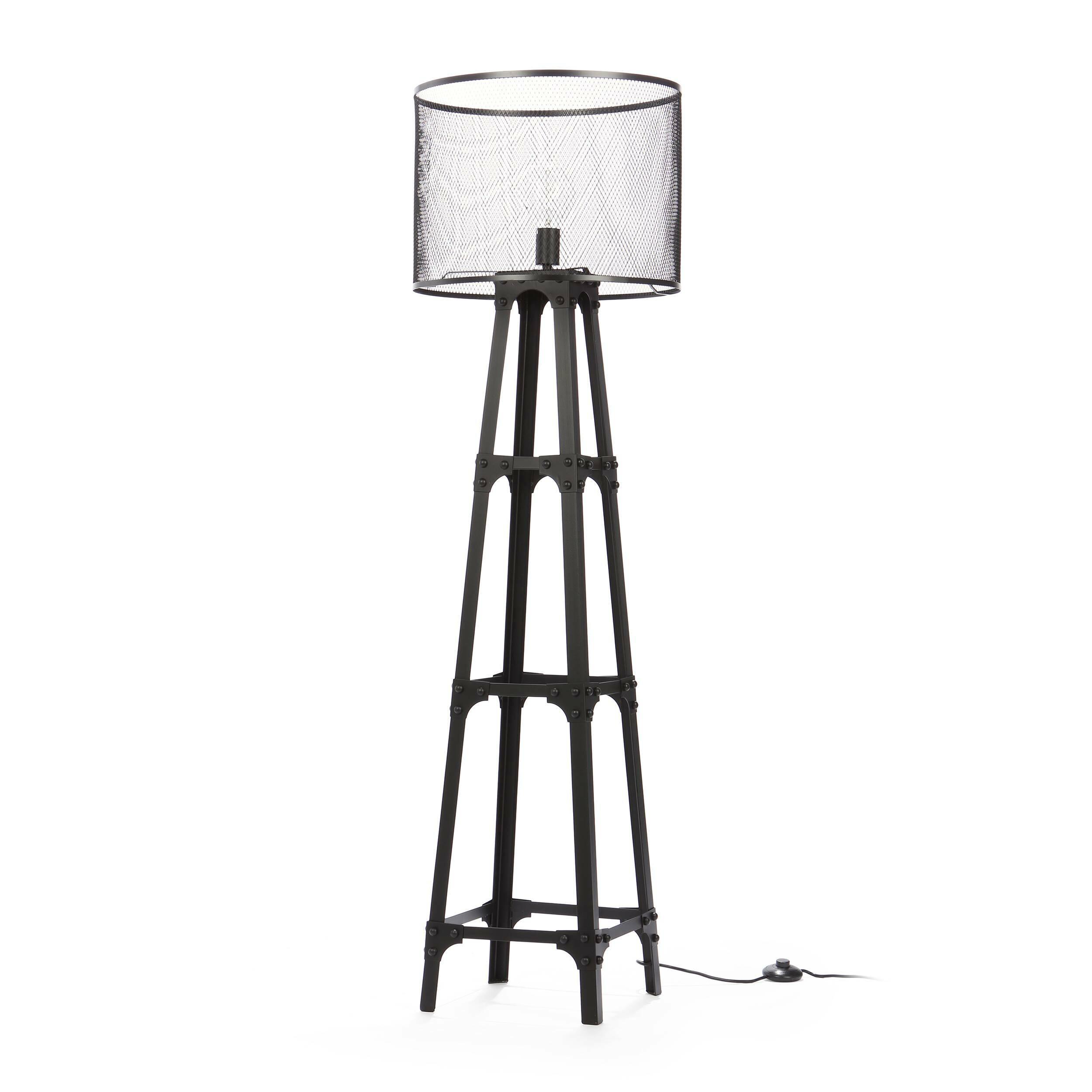 Напольный светильник Edison Miners 2Напольные<br>Напольный светильник Edison Miners 2 — это оригинальное творение ведущих дизайнеров компании Cosmo, которое понравится любителям эпатажного декора и функциональных предметов, своим оформлением вносящих в интерьер особенный шарм и атмосферу. Светильник напоминает лампы, которые используют для освещения шахт или других рабочих зон. Каркас и абажур напольного светильника Edison Miners 2 изготовлены из металла черного цвета. Имеется цоколь для одной лампочки.<br><br><br> Данный светильник буквально...<br><br>stock: 4<br>Высота: 163<br>Диаметр: 45<br>Количество ламп: 1<br>Материал абажура: Металл<br>Мощность лампы: 60<br>Ламп в комплекте: Нет<br>Тип лампы/цоколь: E27<br>Цвет абажура: Черный<br>Цвет провода: Черный