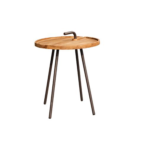 Стол Кетапанг (Ketapang Table)Кофейные столики<br>ROOMERS – это особенная коллекция, воплощение всего самого лучшего, модного и новаторского в мире дизайнерской мебели, предметов декора и стильных аксессуаров.<br><br>Интерьерные решения от ROOMERS в буквальном смысле не имеют границ. Мебель, предметы декора, светильники и аксессуары тщательно отбираются по всему миру – в последних коллекциях знаменитых дизайнеров и культовых брендов, среди искусных работ hand-made мастеров Европы и Юго-Восточной Азии во время большого и увлекательного путешествия,...<br><br>stock: 2<br>Высота: 51<br>Ширина: 42<br>Материал: массив тика, металл<br>Цвет: Beige<br>Длина: 42