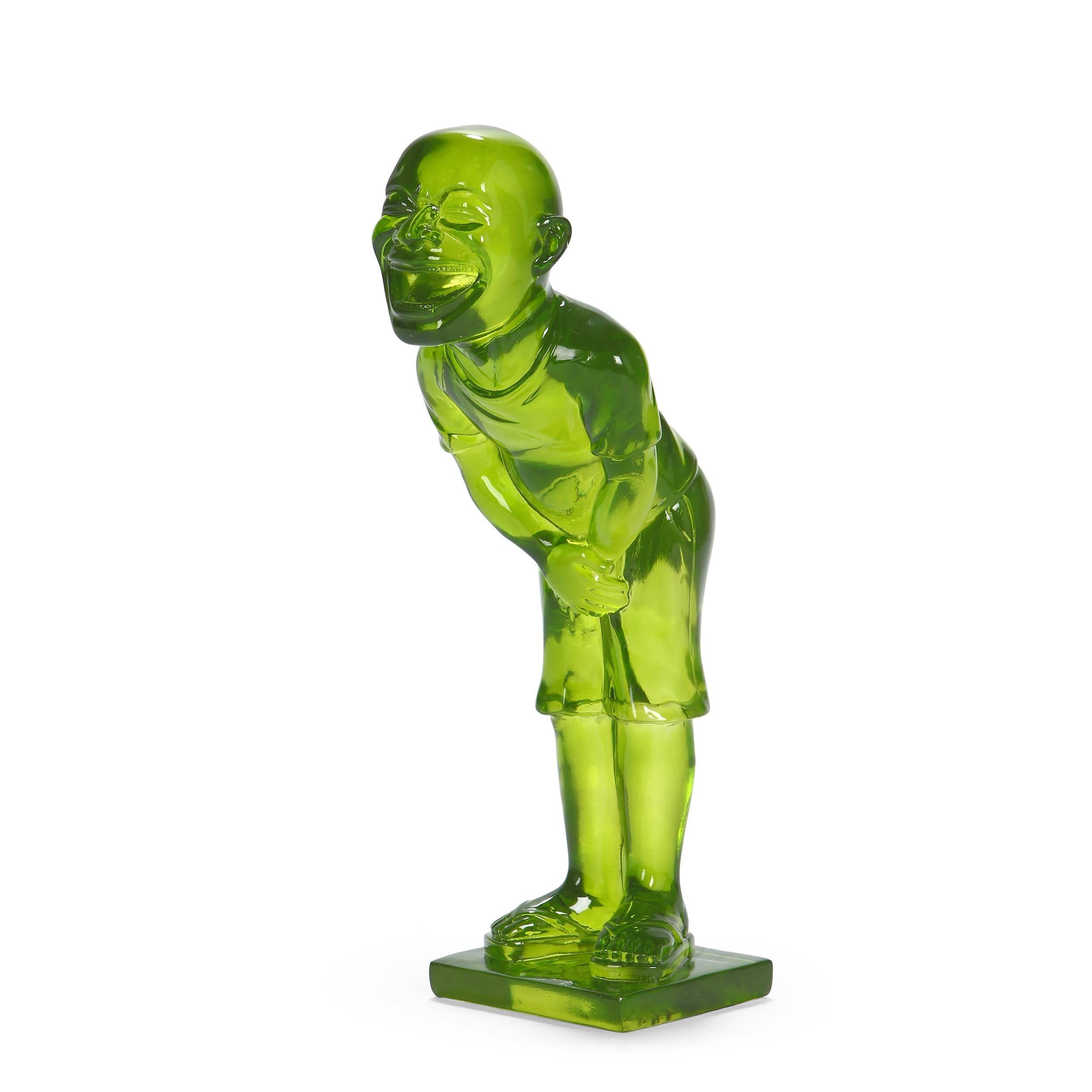 Статуэтка GrinНастольные<br>Дизайнерская полупрозрачная статуэтка забавного человека Grin (Грин) из полистоуна от Cosmo (Космо).<br> Эта настольная скульптура изображает забавного человечка, рот которого широко открыт в приступе хохота. Фигурка выполнена весьма натуралистично, вплоть до того, что можно рассмотреть форму сланцев, на ногах человека. Единственной фантасмагоричной деталью выглядят неестественно большая голова и рот, доходящий буквально до ушей. Существуют три вариации цветового исполнения статуэтки: зеленый,...<br><br>stock: 4<br>Высота: 32<br>Ширина: 15<br>Материал: Полистоун<br>Цвет: Зелёный/Green<br>Диаметр: 10