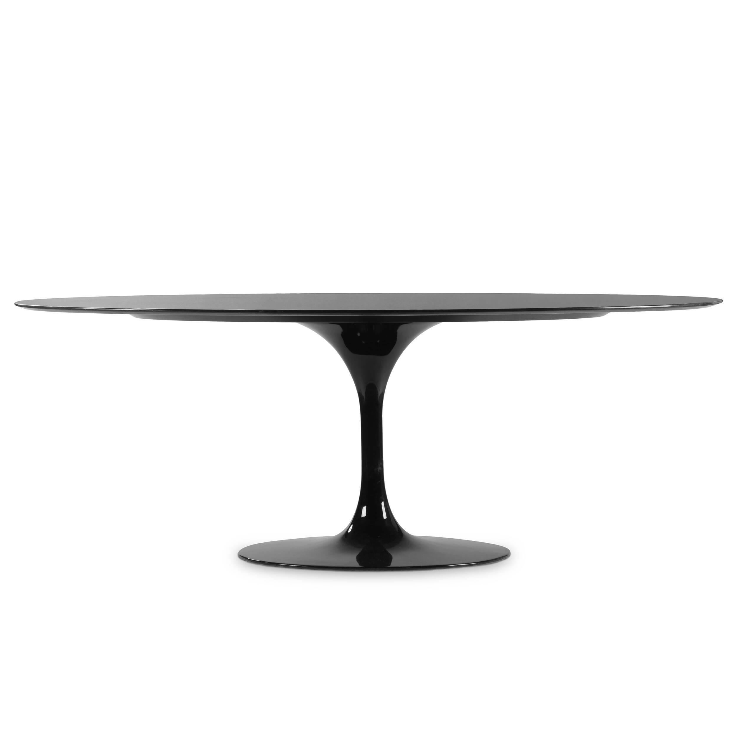 Обеденный стол Tulip овальныйОбеденные<br>Дизайнерская широкий глянцевый обеденный стол Tulip (Тулип) овальный на одной ножке с гранитной столешницей от Cosmo (Космо).У каждого знаменитого дизайнера прошлого столетия есть своя «формула вечного дизайна», а значит, есть и произведения дизайнерского искусства, которые уже много лет не выходят из моды, не теряют своей актуальности и востребованы по сей день. Стол Tulip как раз был разработан при помощи такой формулы, которую вывел Ээро Сааринен. Изящная ножка-тюльпан и круглая столешница...<br><br>stock: 0<br>Высота: 72<br>Ширина: 196<br>Диаметр: 122<br>Цвет ножек: Черный глянец<br>Цвет столешницы: Черный<br>Тип материала столешницы: Гранит<br>Тип материала ножек: Алюминий