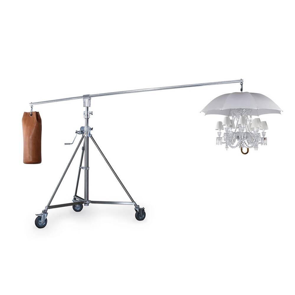 Напольный светильник Under the UmbrellaНапольные<br>Напольный светильник Under the Umbrella — это настоящее произведение дизайнерского искусства, в котором умело и гармонично сочетаются два, казалось бы, совершенно несовместимых стиля, нарочито грубоватый производственный стиль лофт и великолепный, будоражащий воображение ампир.<br><br><br> Ультрасовременный хай-тек или модерн и более традиционные направления вроде ампира или классицизма также подходят для описания изделия. Светильник изготовлен из качественной стали белоснежного цвета. А оригин...<br><br>stock: 0<br>Высота: 288<br>Ширина: 180<br>Длина: 380<br>Количество ламп: 12<br>Материал абажура: Стекло<br>Материал арматуры: Сталь<br>Мощность лампы: 40<br>Ламп в комплекте: Нет<br>Напряжение: 220<br>Тип лампы/цоколь: E14<br>Цвет абажура: Белый<br>Цвет арматуры: Серебро