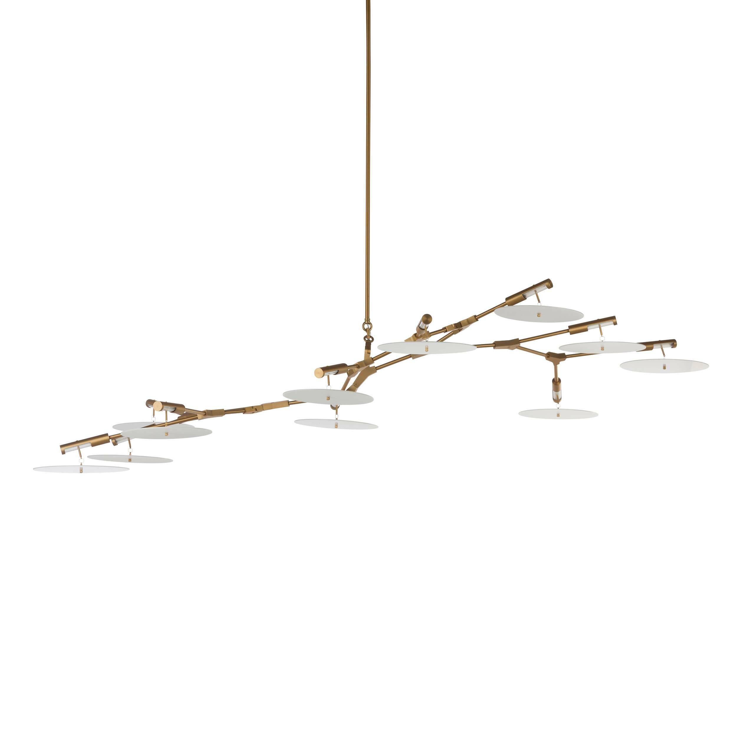 Подвесной светильник Branching Discs 11 лампПодвесные<br>Линдси Адельман, необычайно популярный западный дизайнер, прославившаяся благодаря созданным ею осветительным приборам, создала необычайно интересное и красивое изделие — подвесной светильник Branching Discs 11 ламп, который способен легко вписаться в любой интерьер, оформленный в современном стиле. Branching Discs — это отличное решение для гармоничного освещения любого типа помещений.<br><br><br><br><br> Плафоны светильника, напоминающие собой летающие тарелки, изготовлены из прочного акрила, ко...<br><br>stock: 1<br>Высота: 200<br>Ширина: 100<br>Длина: 240<br>Количество ламп: 11<br>Материал абажура: Акрил<br>Материал арматуры: Сталь<br>Мощность лампы: 3<br>Ламп в комплекте: Нет<br>Напряжение: 220<br>Тип лампы/цоколь: LED<br>Цвет абажура: Белый<br>Цвет арматуры: Золотой
