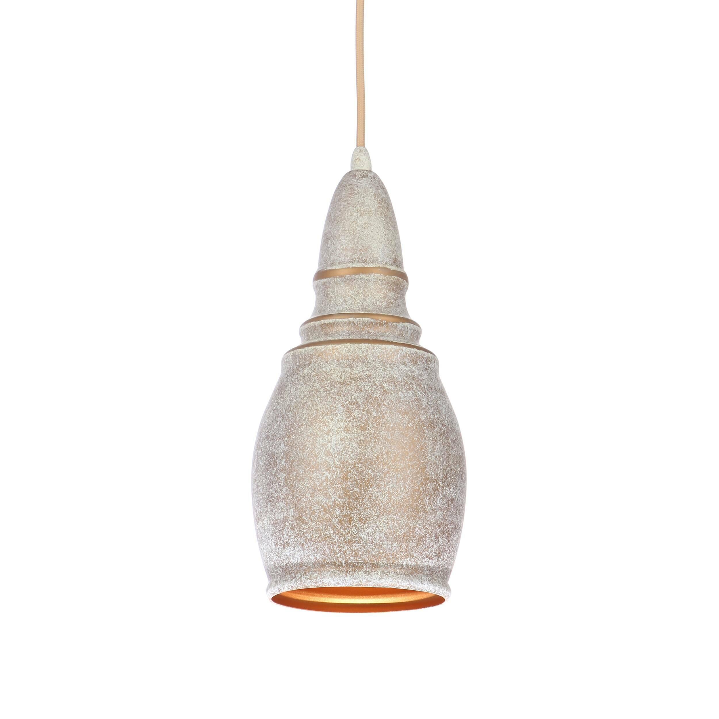 Подвесной светильник Thai Stupa диаметр 14Подвесные<br>Подвесной светильник Thai Stupa диаметр 14 обладает универсальным дизайном, который легко впишется практически в любой тип интерьера. Известные западные дизайнеры постарались сделать его нейтральным и спокойным, он не будет перегружать интерьер, но зато дополнит его своей мягкой, плавной формой и светлыми цветами. Светильник может гармонично сочетаться как с современными стилями, так и с более традиционными направлениями в интерьерном дизайне.<br><br><br> Абажур, или «колокол» светильника, сдел...<br><br>stock: 0<br>Высота: 200<br>Диаметр: 13,8<br>Доп. цвет абажура: Золотой<br>Количество ламп: 1<br>Материал абажура: Алюминий<br>Материал арматуры: Сталь<br>Мощность лампы: 40<br>Ламп в комплекте: Нет<br>Напряжение: 220<br>Тип лампы/цоколь: E27<br>Цвет абажура: Антикварный<br>Цвет арматуры: Антикварный