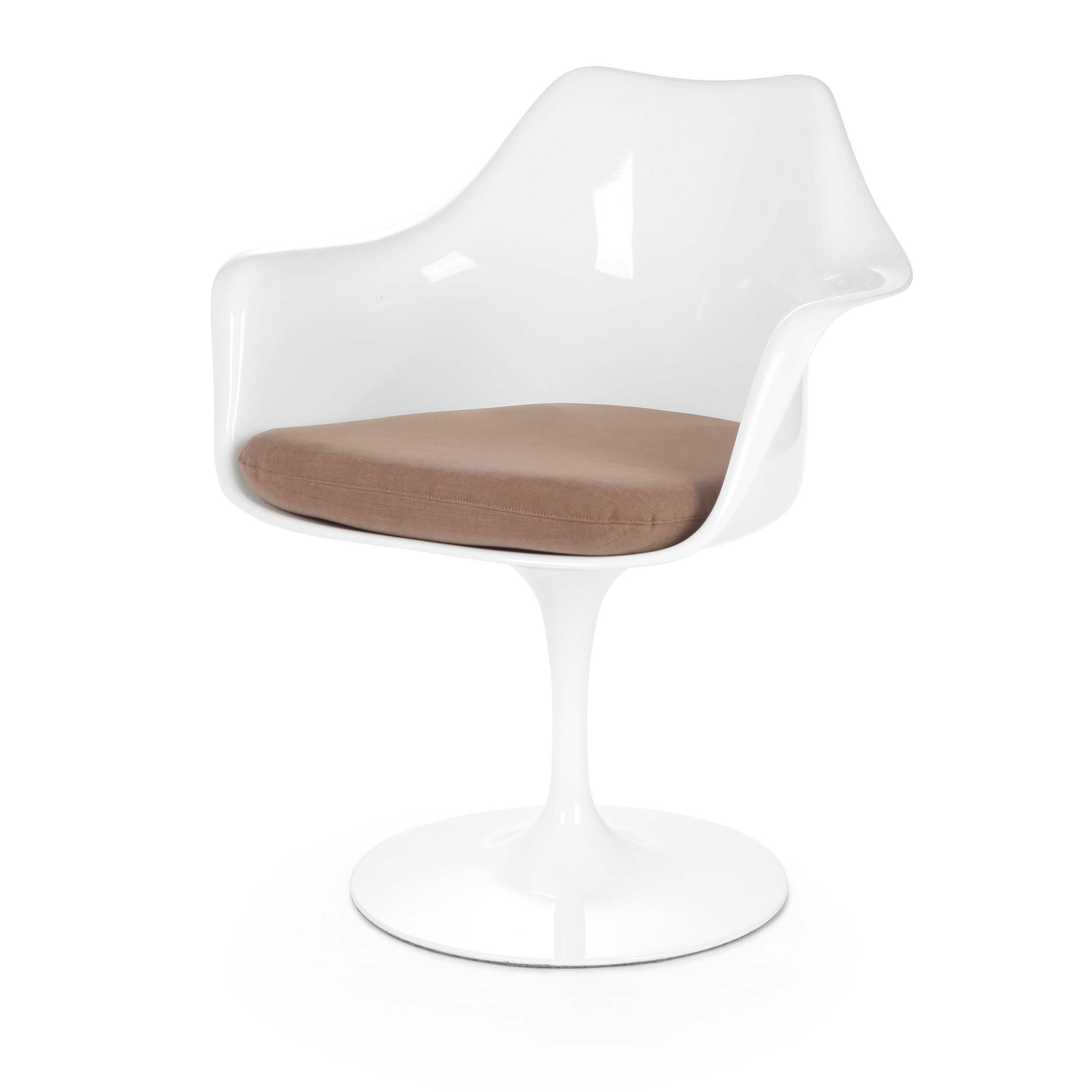 Cтул Tulip с подлокотниками и мягкой подушкойИнтерьерные<br>Дизайнерский мягкий стул Tulip (Тулип) с подлокотниками и мягкой подушкой из стекловолокна на глянцевой ножке с кожаным сиденьем от Cosmo (Космо).<br><br>     Свои основные идеи финн Ээро Сааринен черпал в аскетичном подходе к дизайну, воплощая их в наиболее эффективных конструкционных решениях. «Решение любой дизайнерской задачи нужно искать в следующей, более крупной вещи, — утверждал Сааринен. — Если загвоздка в стуле, мы должны смотреть на то, как он соотносится с комнатой». Именно в стуле Tu...<br><br>stock: 4<br>Высота: 80,5<br>Высота сиденья: 47<br>Ширина: 66<br>Глубина: 58<br>Цвет ножек: Белый глянец<br>Тип материала каркаса: Стекловолокно<br>Материал сидения: Хлопок, Лен<br>Цвет сидения: Светло-коричневый<br>Тип материала сидения: Ткань<br>Коллекция ткани: Ray Fabric<br>Тип материала ножек: Алюминий<br>Цвет каркаса: Белый глянец
