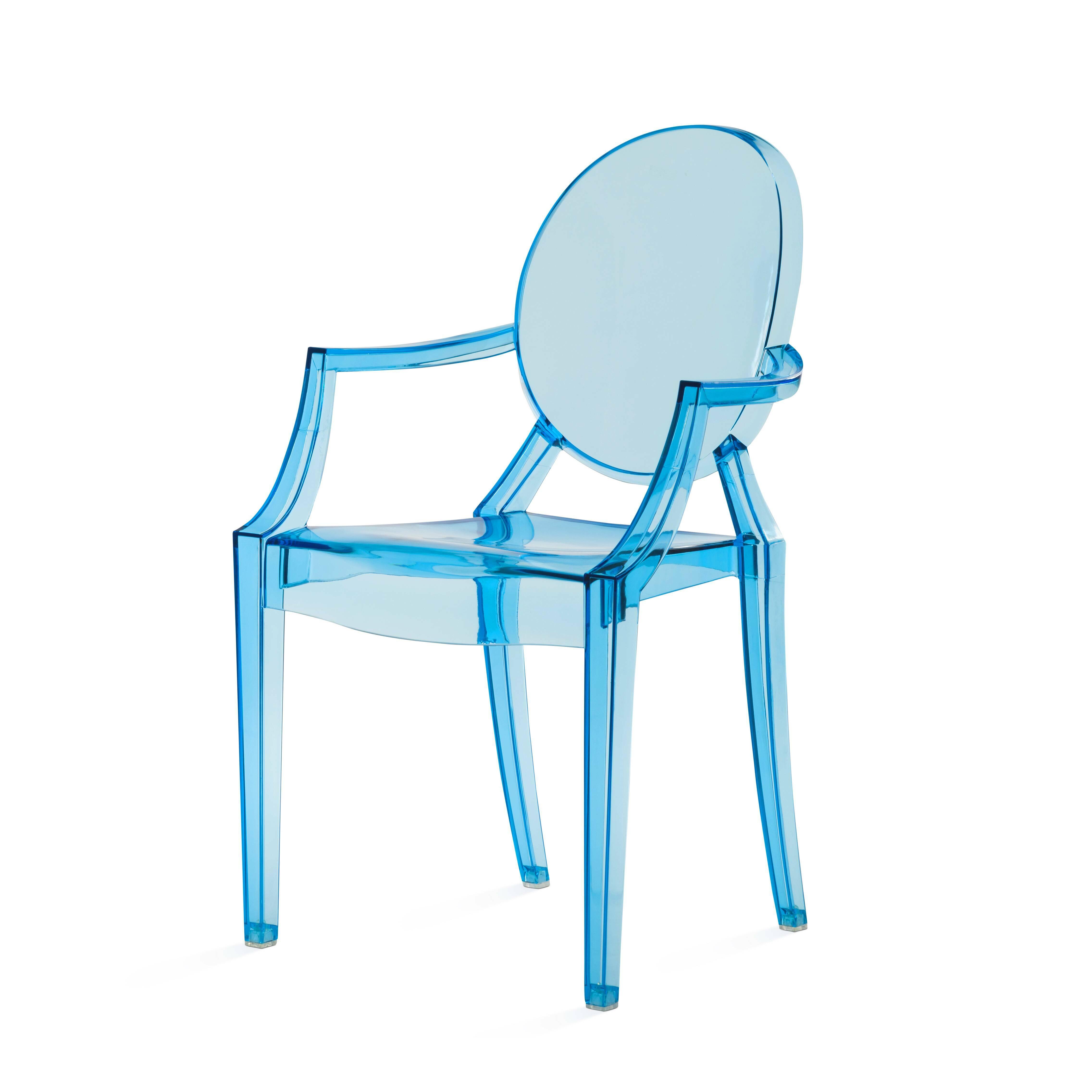 Детский стул Louis GhostМебель для детей<br>Особый стиль современного дизайна требует к себе особенно тщательного подхода. Зачастую комнаты оформляются в популярном сегодня стиле минимализма, из-за чего выбор подходящей мебели и декора для комнаты нужно делать обдуманно и со вкусом. Не должно быть ничего лишнего,  практичность и красота — вот главные принципы такого дизайна. Но если речь идет о детской комнате, такие принципы трудно соблюдать в полной мере.<br><br><br> Детский стул Louis Ghost — это замечательное сочетание удобства и отл...<br><br>stock: 15<br>Высота: 63,5<br>Высота сиденья: 33<br>Ширина: 37<br>Глубина: 38,5<br>Материал каркаса: Поликарбонат<br>Тип материала каркаса: Пластик<br>Цвет каркаса: Голубой